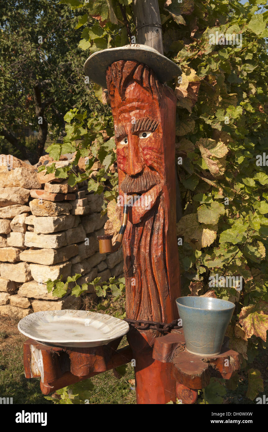 Elk213-1796v France, Alsace, Mittelbergheim, winery, wood carving - Stock Image