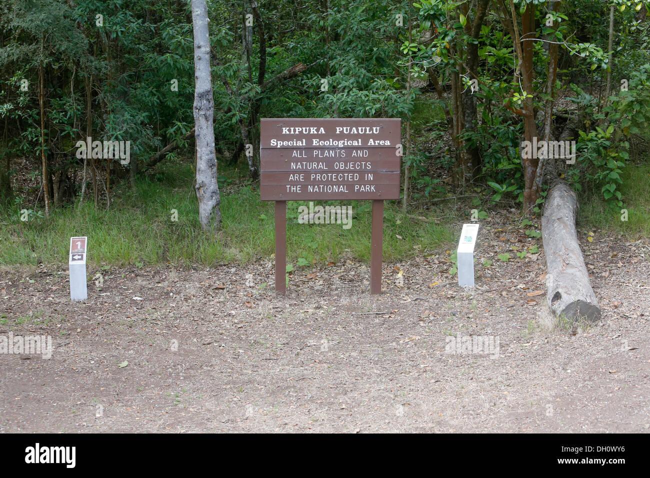 Sign-board, Kipuka Puaulu Reserve, Big Island, Hawaii, USA - Stock Image