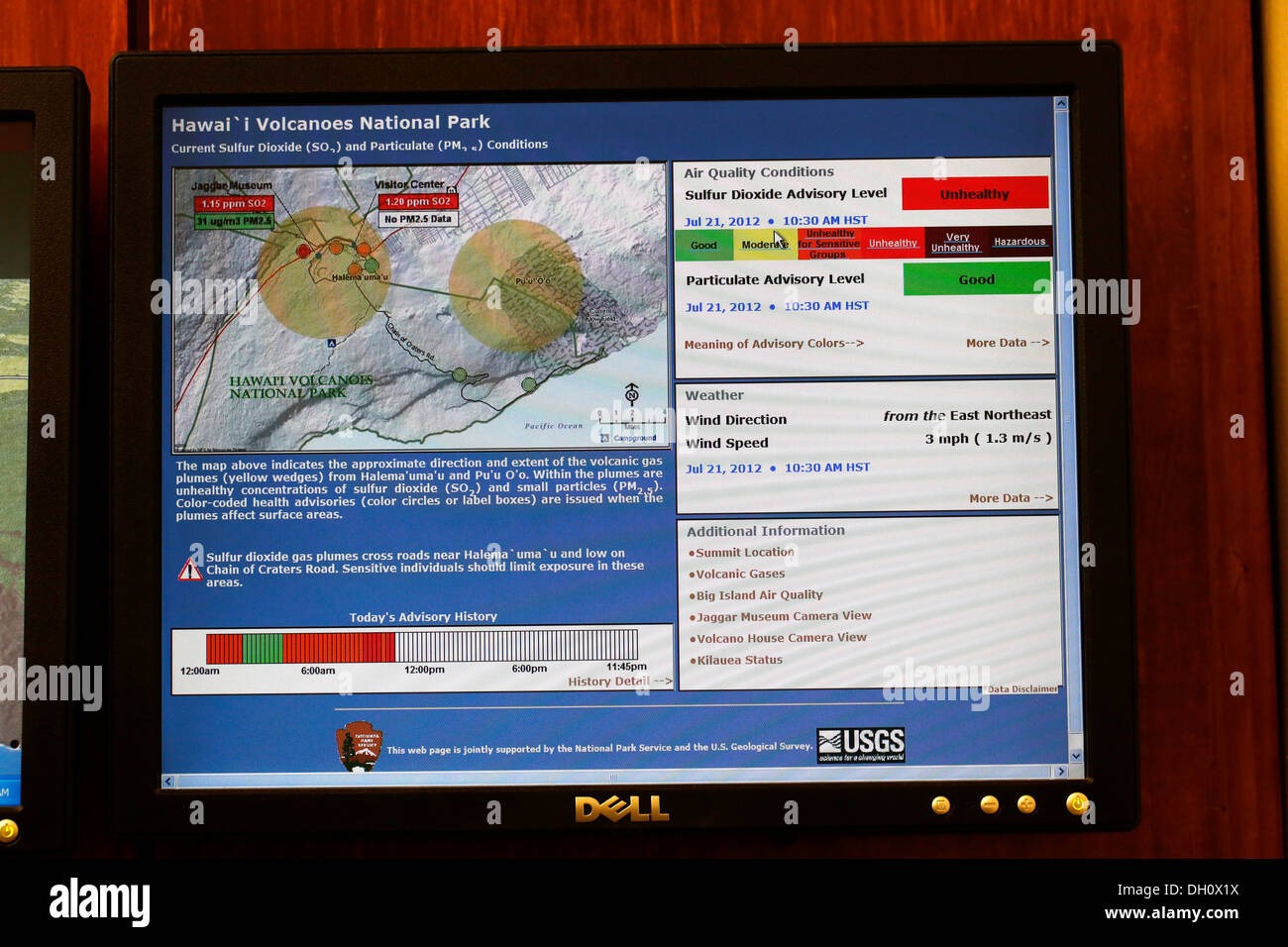 Screen showing toxic gas emissions, a high concentration of sulfur dioxide, SO2, in the Kilauea volcano - Stock Image