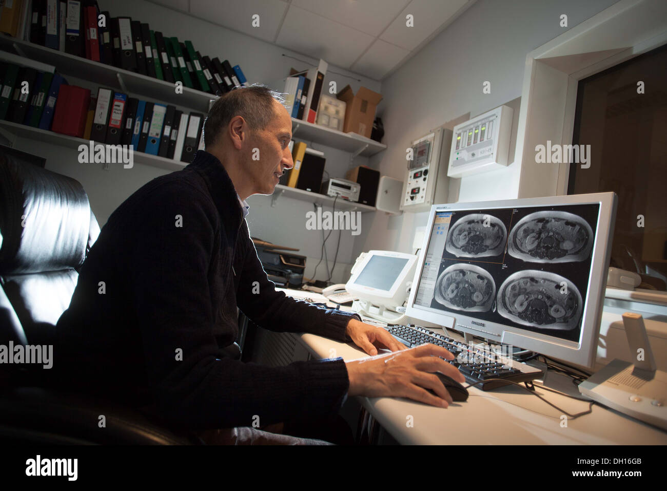The Cancer Imaging Centre at The University of Manchester Wolfson Molecular Imaging Centre. Professor Alan Jackson 23/10/13 - Stock Image