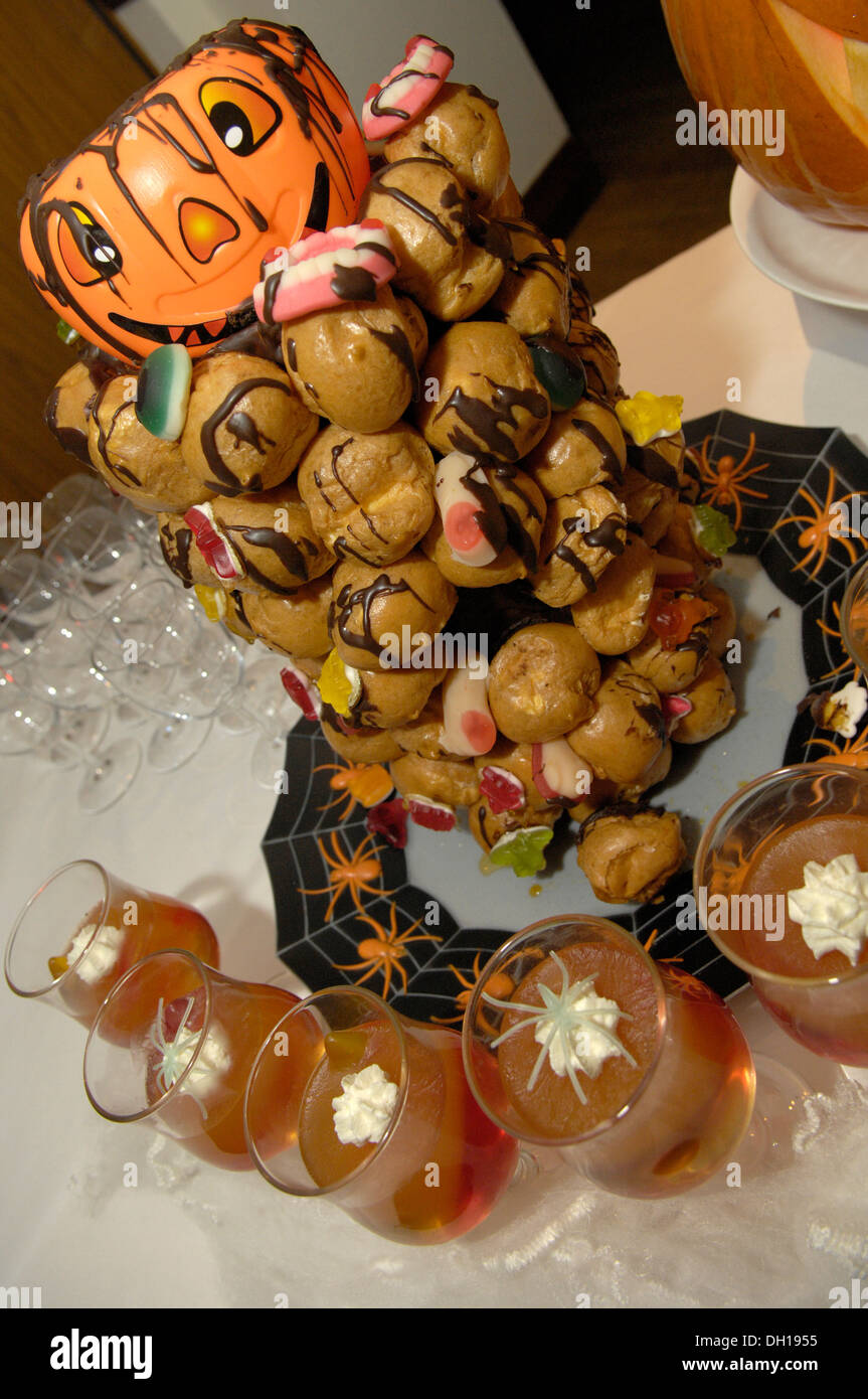 a spooky spread of halloween party finger food stock photo 62109409 alamy. Black Bedroom Furniture Sets. Home Design Ideas