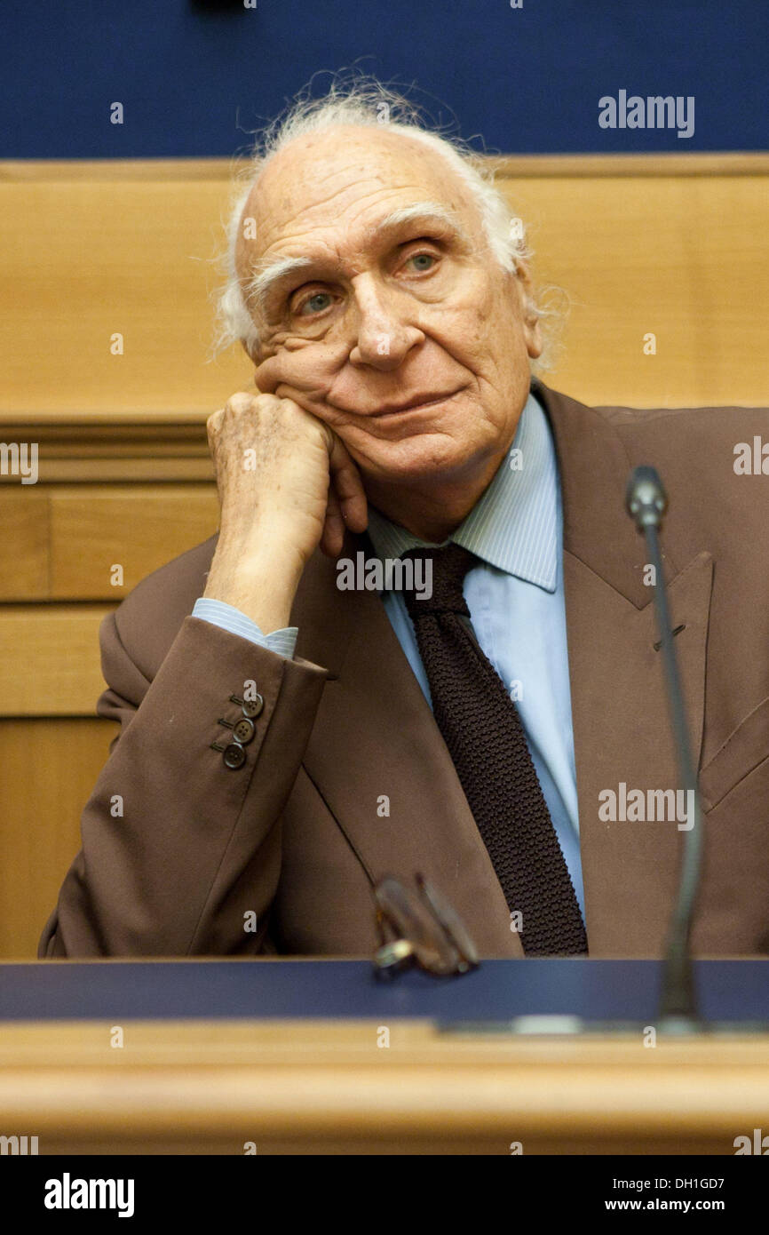 March 29, 2013 - Rome, Italy - Leader of ''Amnistia, Giustizia, Libertà'', Marco Pannella during a press conference in Rome, on March 3, 2013...Photo: Ruggero Delfini/NurPhoto (Credit Image: © Ruggero Delfini/NurPhoto/ZUMAPRESS.com) - Stock Image