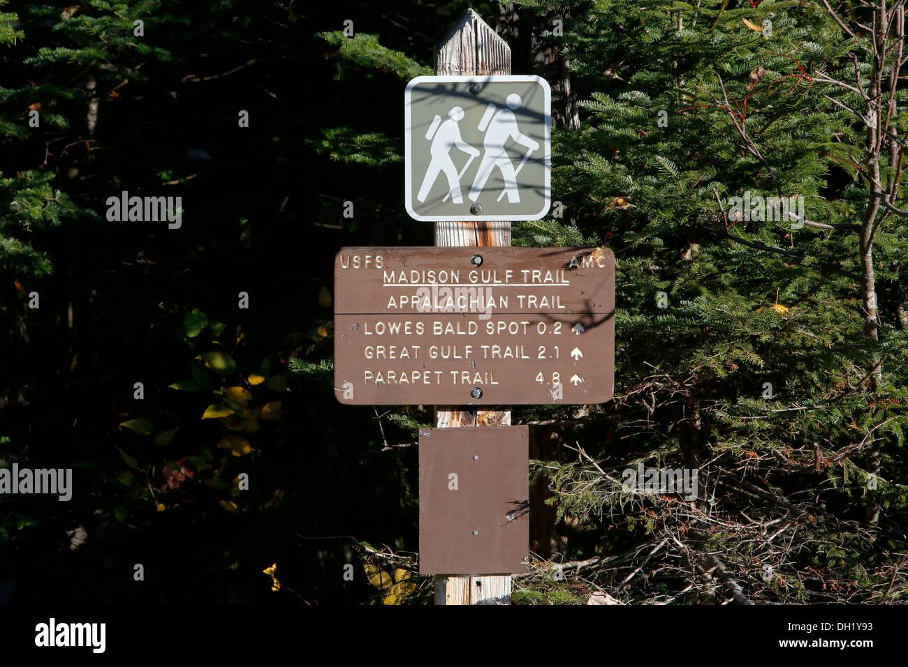 Hiking trails of the Appalachian Trail on Mount Washington, New Hampshire, USA - Stock Image