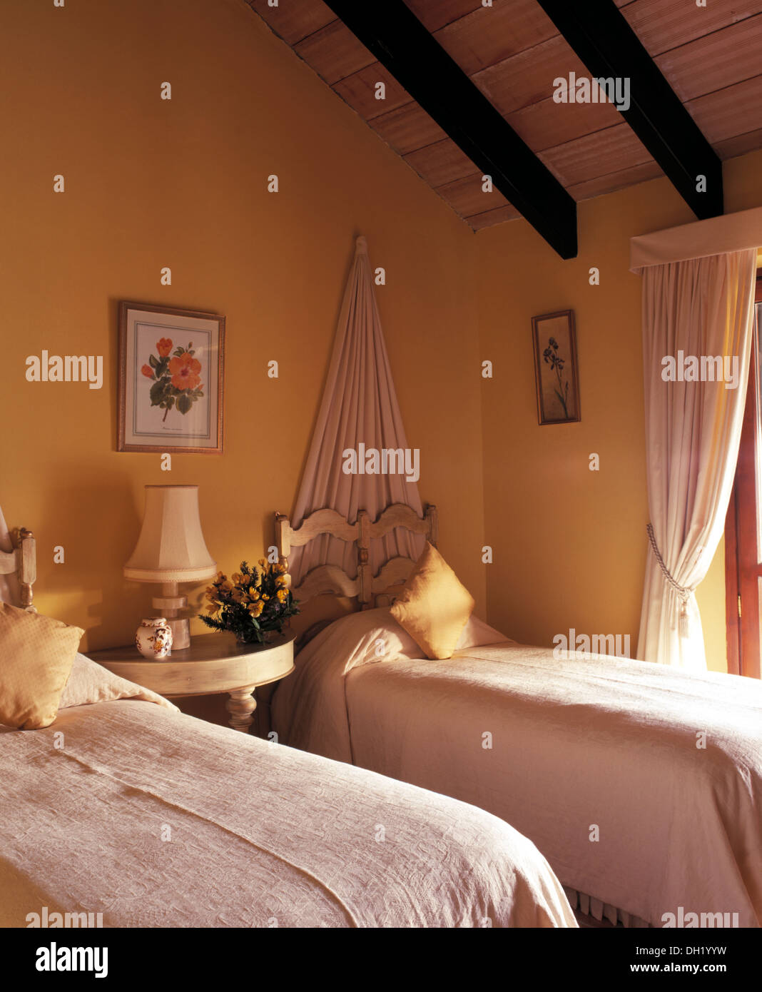 Picture of: White Linen Covers On Twin Beds With Simple Carved Wood Headboards In Stock Photo Alamy