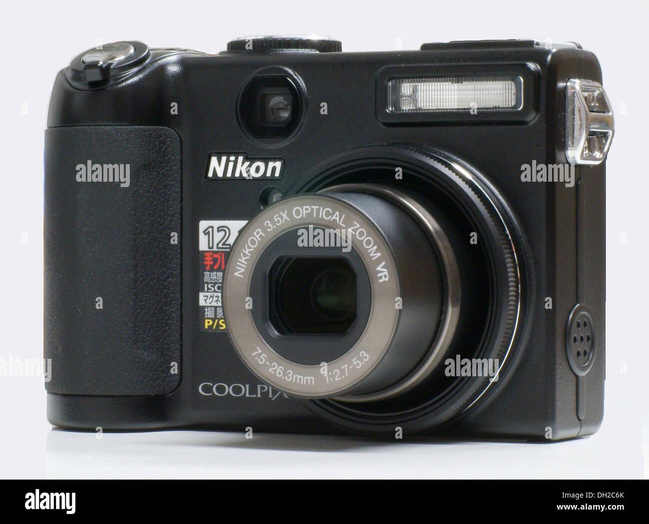 nikon coolpix stock photos nikon coolpix stock images alamy rh alamy com Nikon Camera P5100 Nikon Coolpix L18