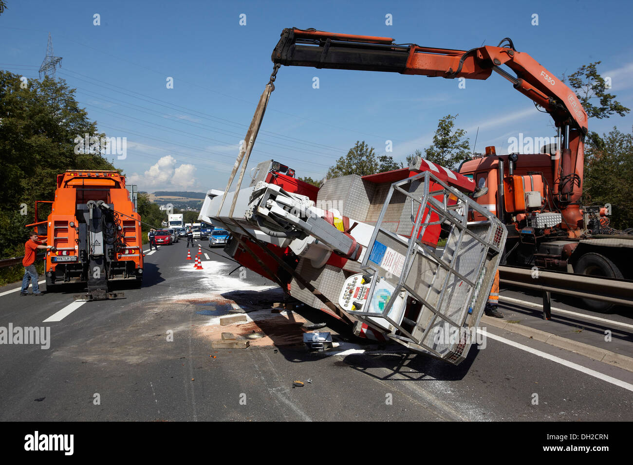 Accident with a mobile elevating working platform, on the B9 road near Weissenthurm, Rhineland-Palatinate - Stock Image
