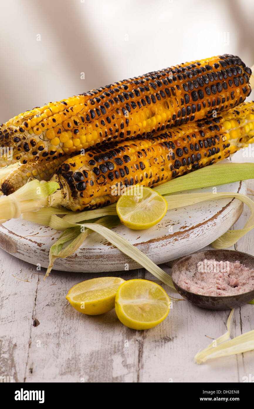 Indian Street Food Grilled corn - Stock Image