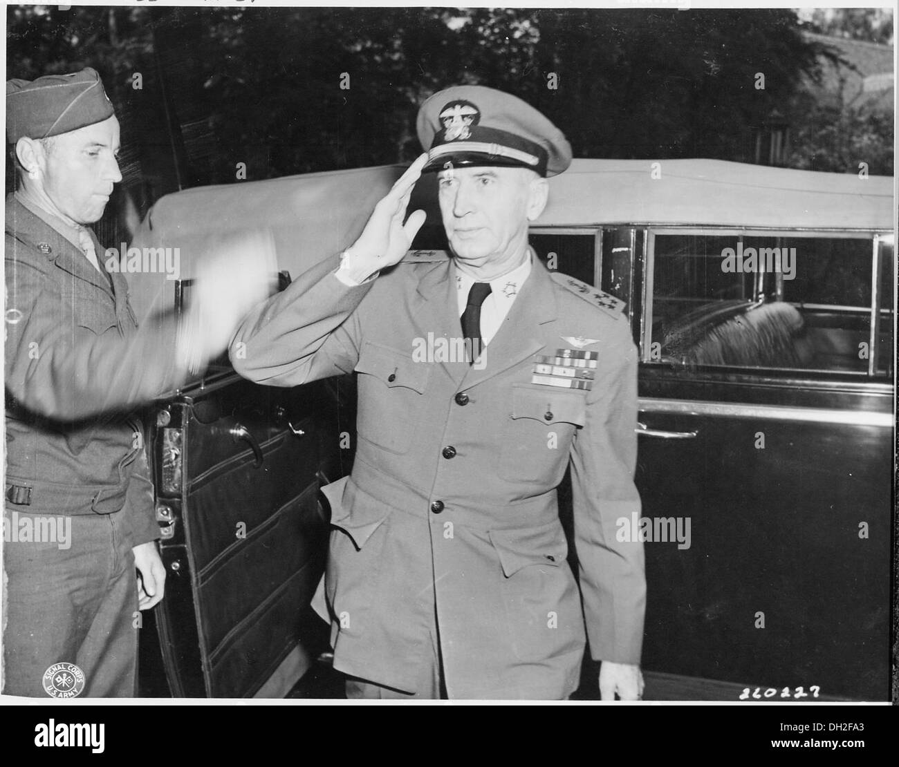 Fleet Admiral Ernest J King U S Navy Arrives At His Quarters And Salutes A Solider During The Potsdam Conference 199002