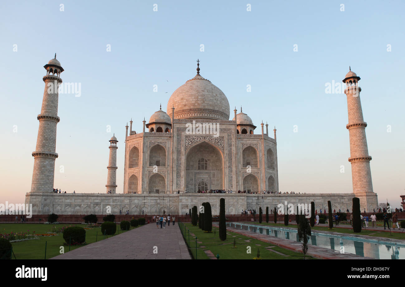 Taj Mahal at sunset, Agra, Uttar Pradesh, India, Asia - Stock Image