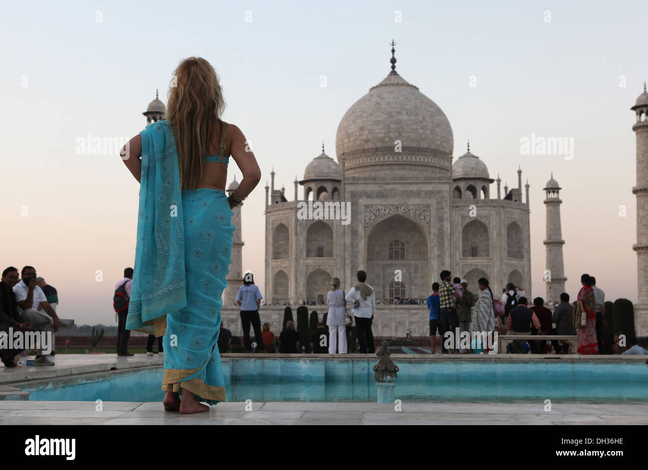 Tourists in front of the Taj Mahal, Agra, Uttar Pradesh, India, Asia - Stock Image