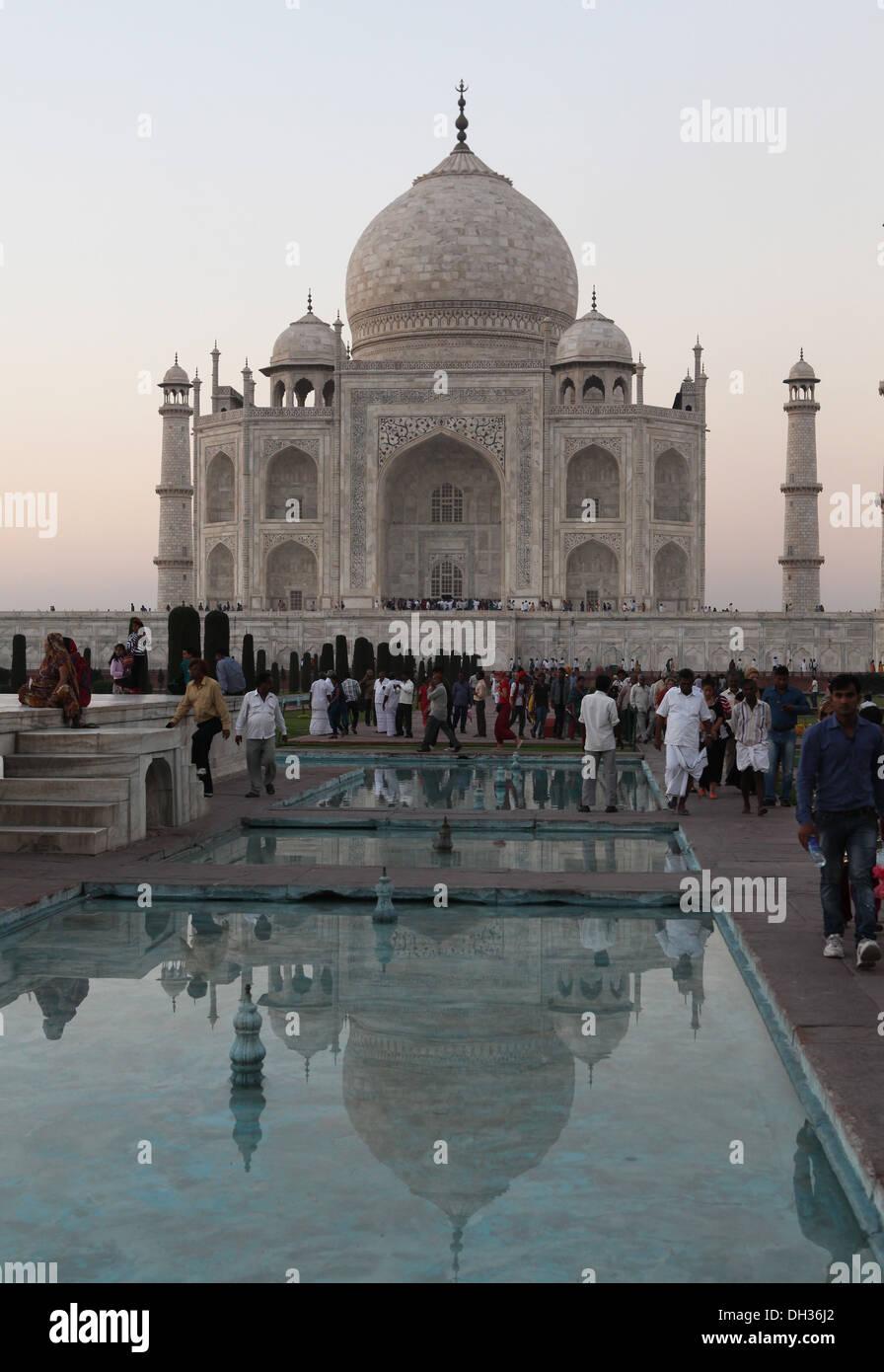Tourists in front of the Taj Mahal, Agra, Uttar Pradesh, India, Asia - Stock Image