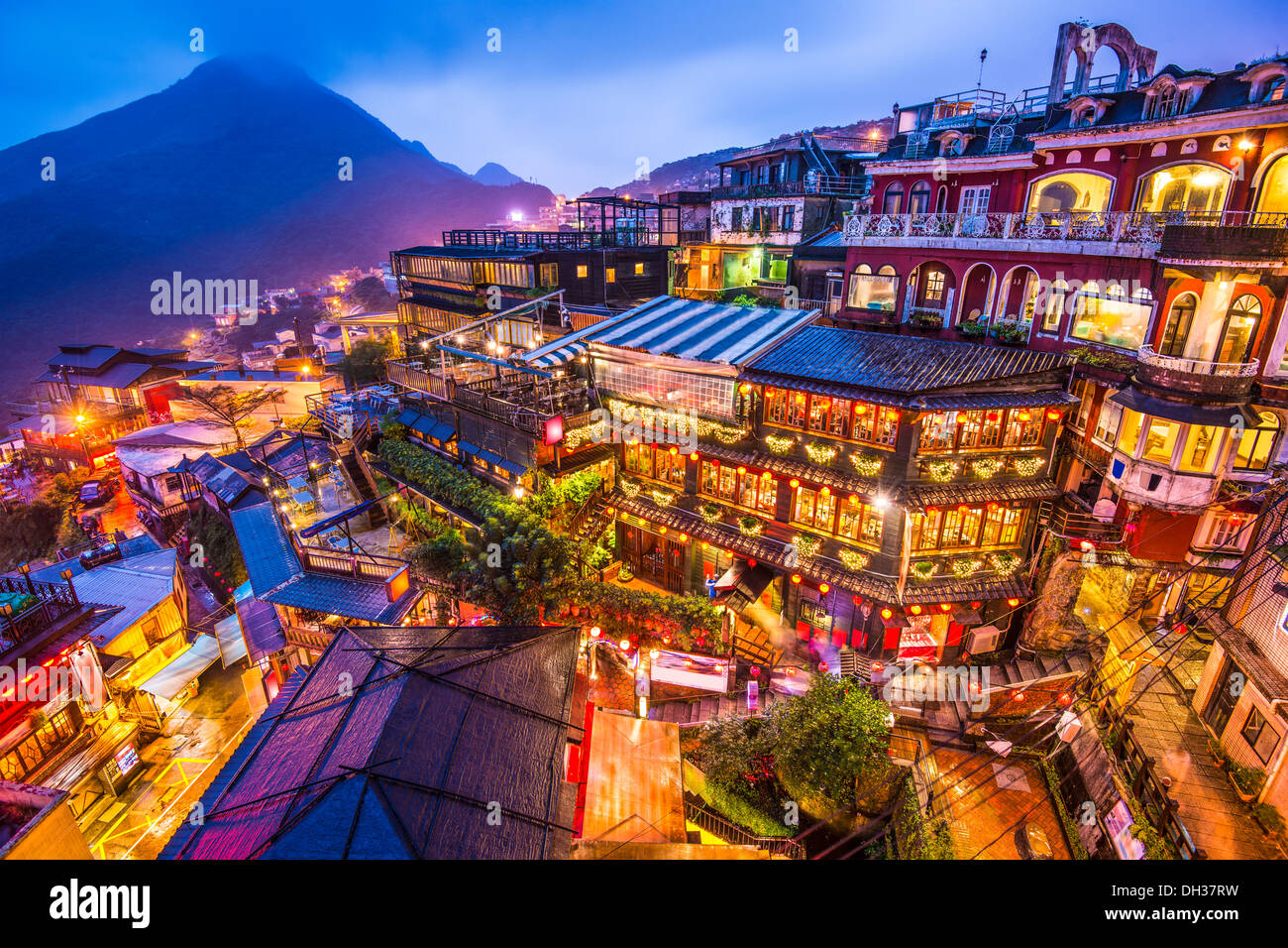 Hillside teahouses in Jiufen, Taiwan. - Stock Image