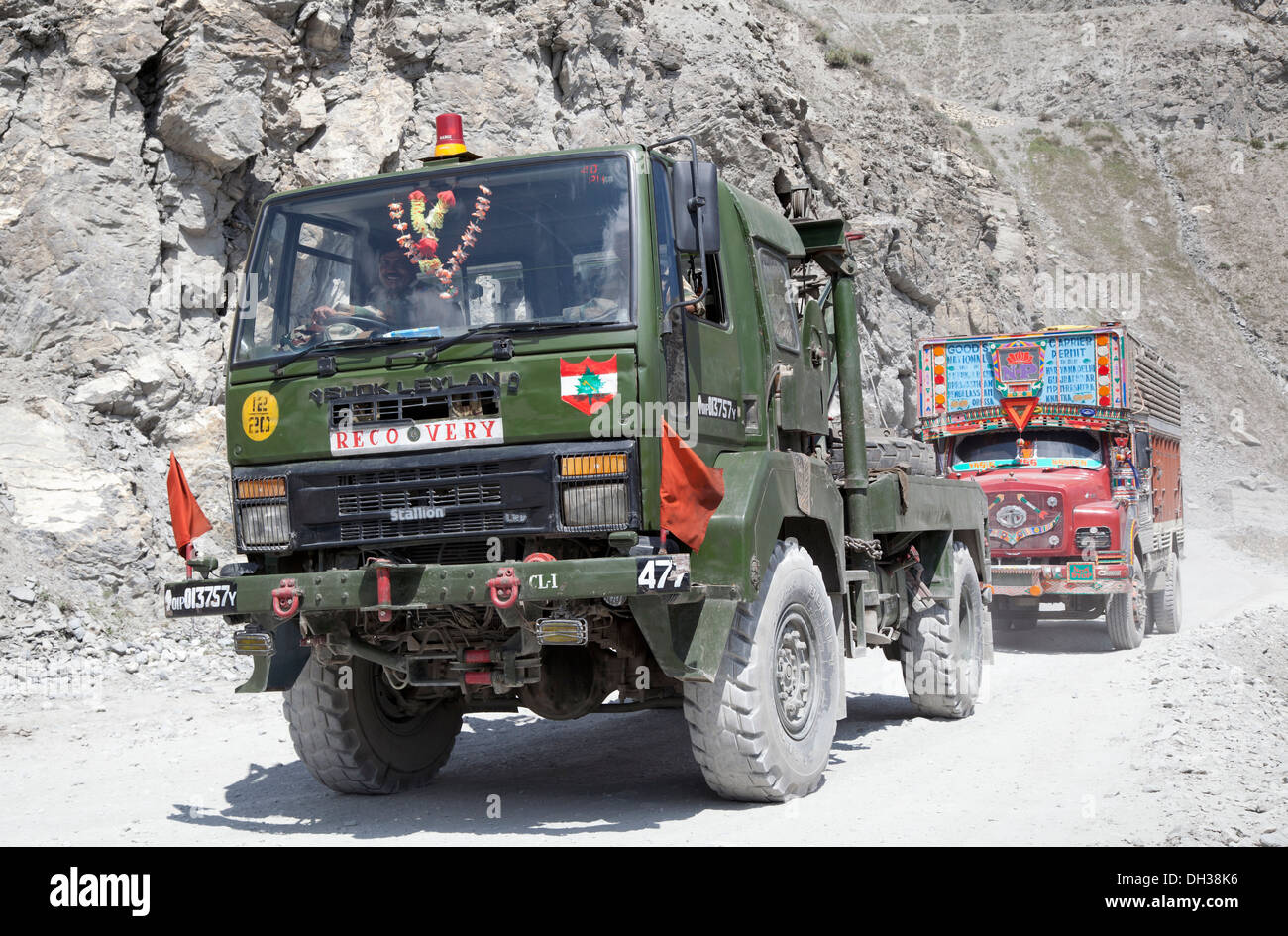 Indian Army Stallion recovery vehicle negotiates Zoji La Pass in the Himalayan region of Kashmir - Stock Image