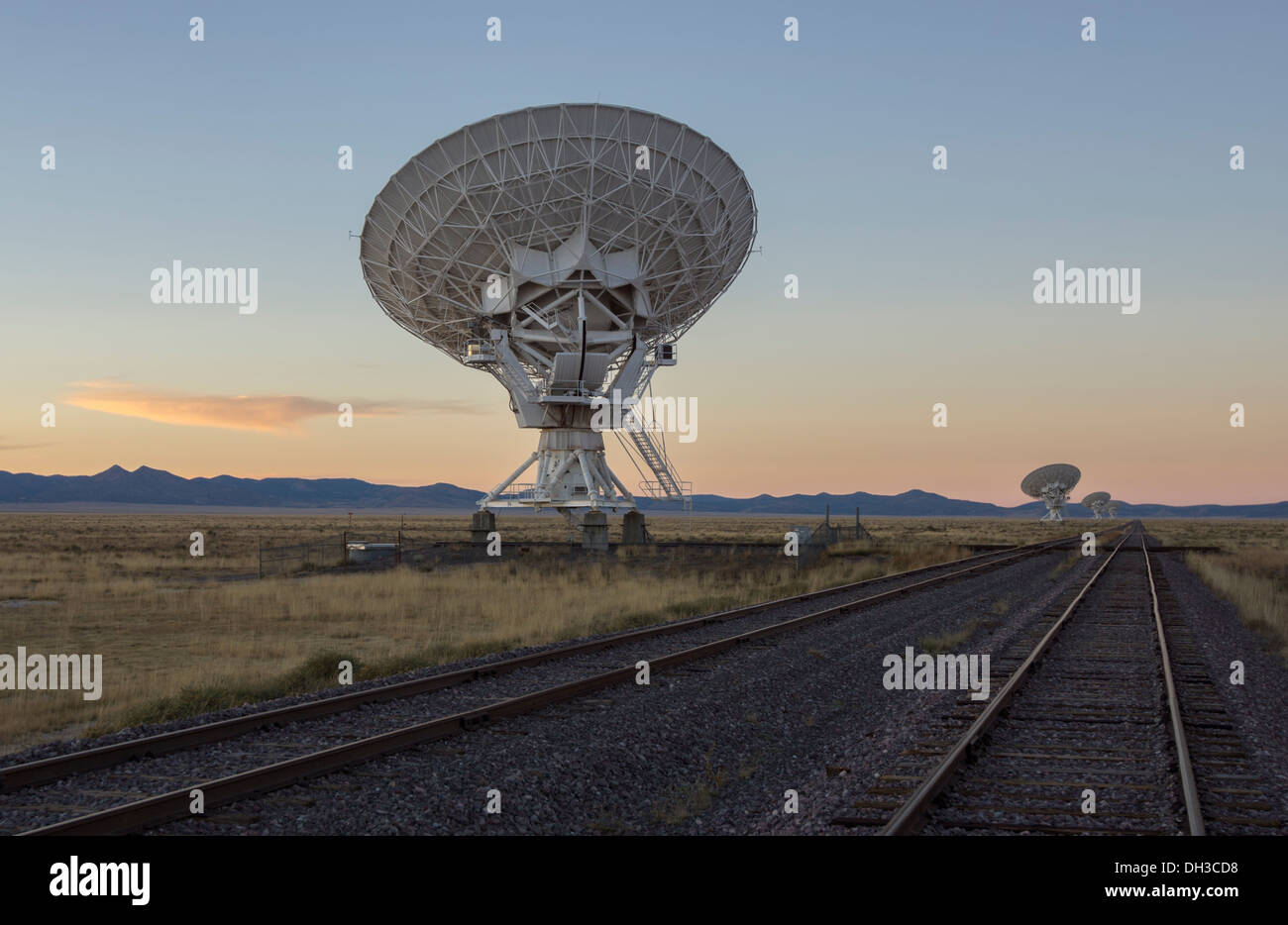 Antennas of the Very Large Array,  one of the world's premier astronomical radio observatories, near Socorro, New Stock Photo