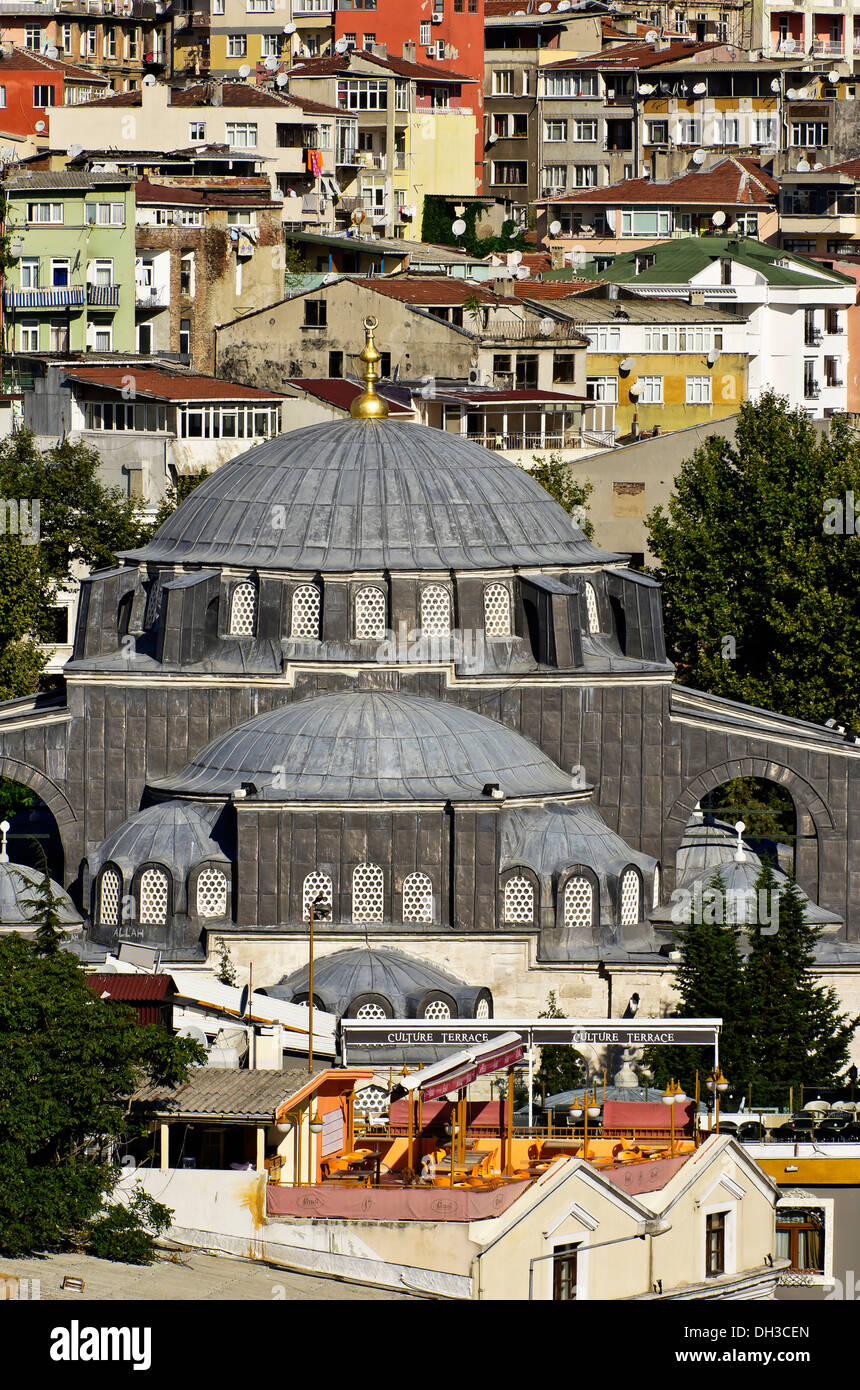 View of a district and a mosque in Istanbul, Turkey, Middle East - Stock Image