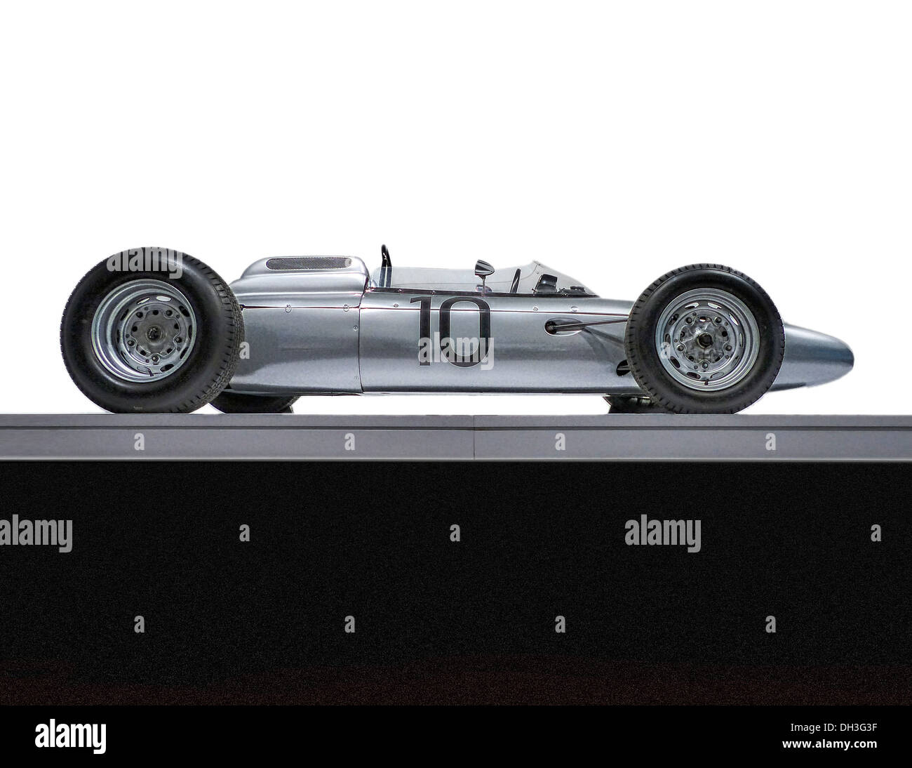 A side on view of a 1962 Porsche Type 804 Formula One race car. - Stock Image