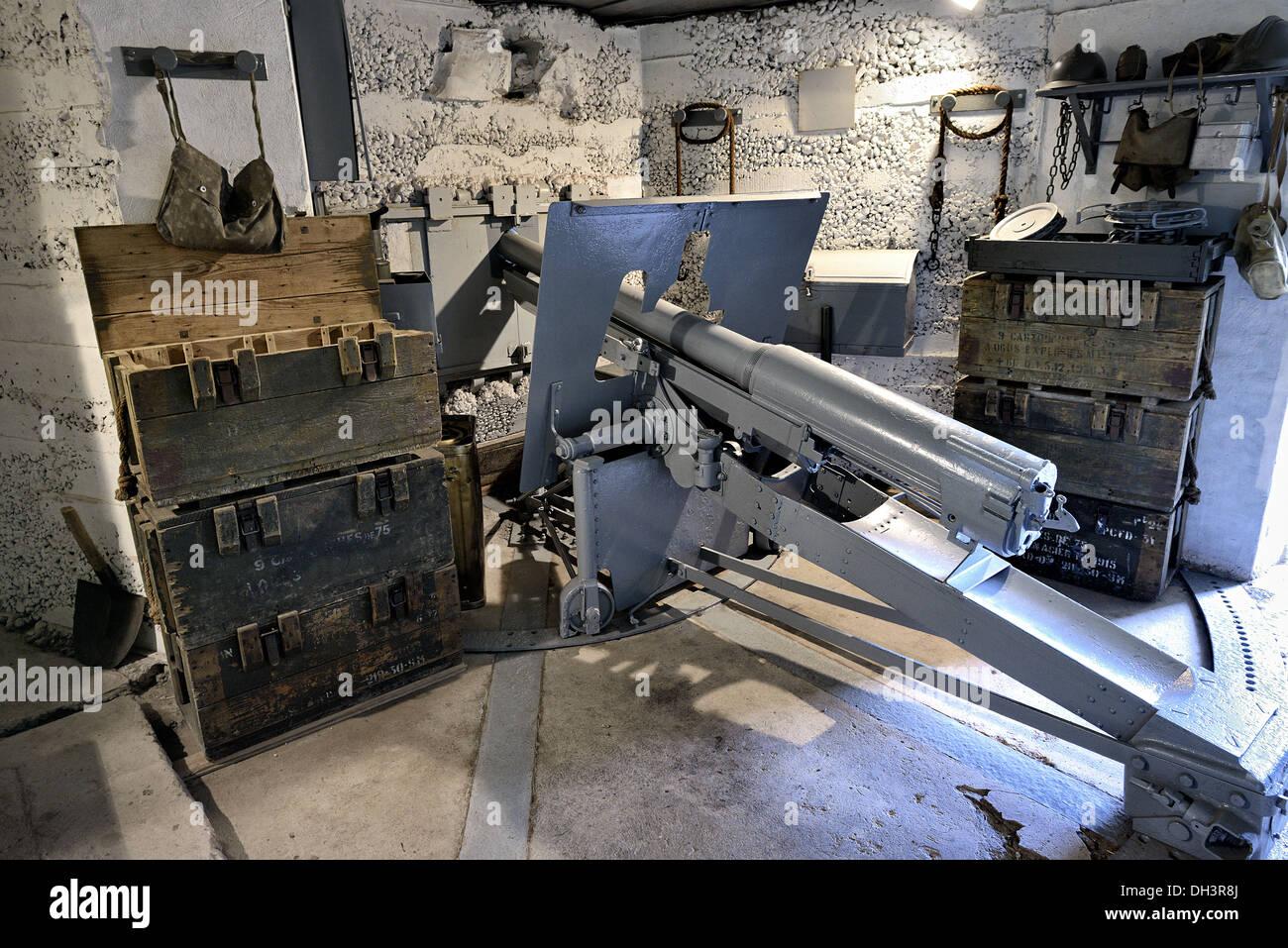 75mm gun inside La Costaude bunker, Saillant de Barst, Maginot line. - Stock Image