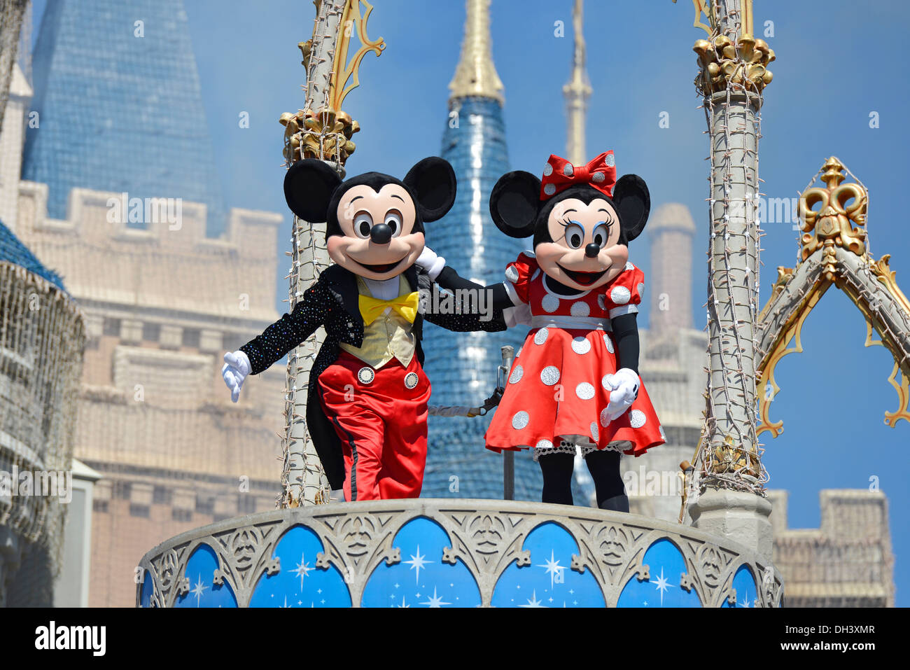 mickey minnie stock photos mickey minnie stock images alamy