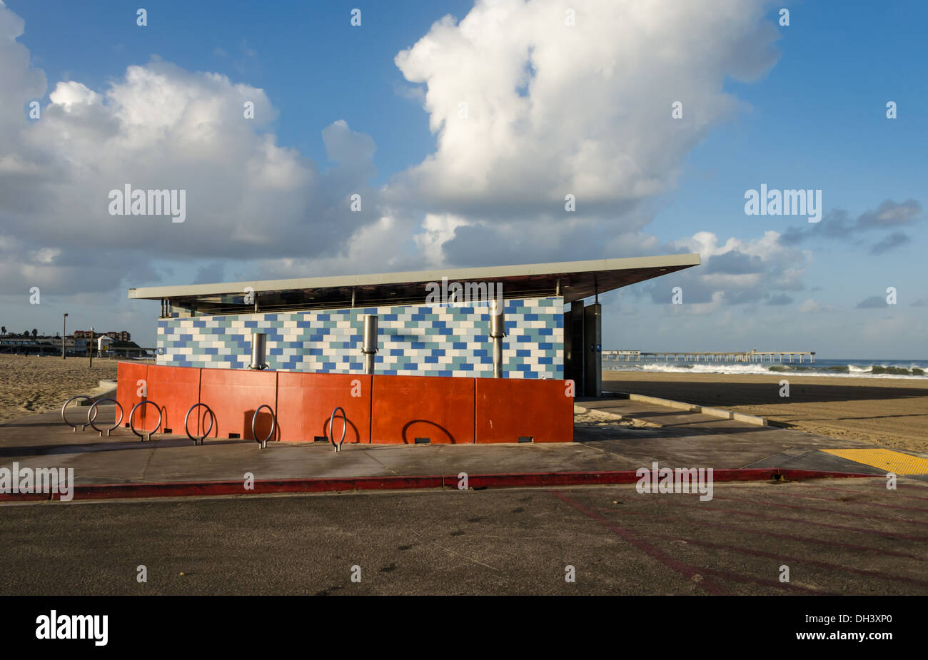 A colorful public restroom and showers at Ocean Beach. San Diego, California, United States. - Stock Image
