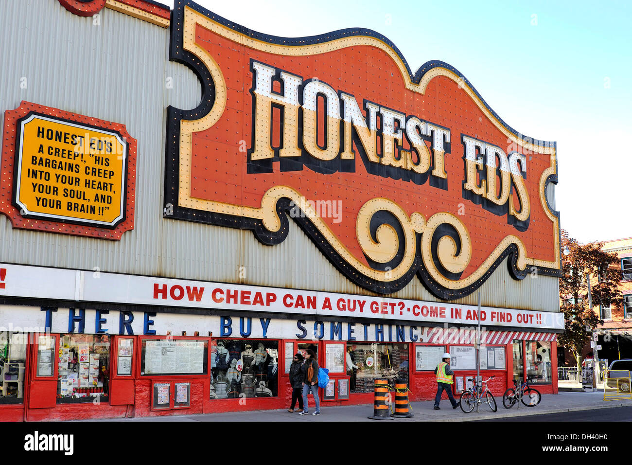 Toronto, Canada. 28th Oct 2013.  Toronto landmark discount store HONEST ED'S, located at Bathurst Street and Bloor Street West in the Annex Neighborhood, has been sold to Vancouver based developer Westbank Properties by the Mirvish family. - Stock Image