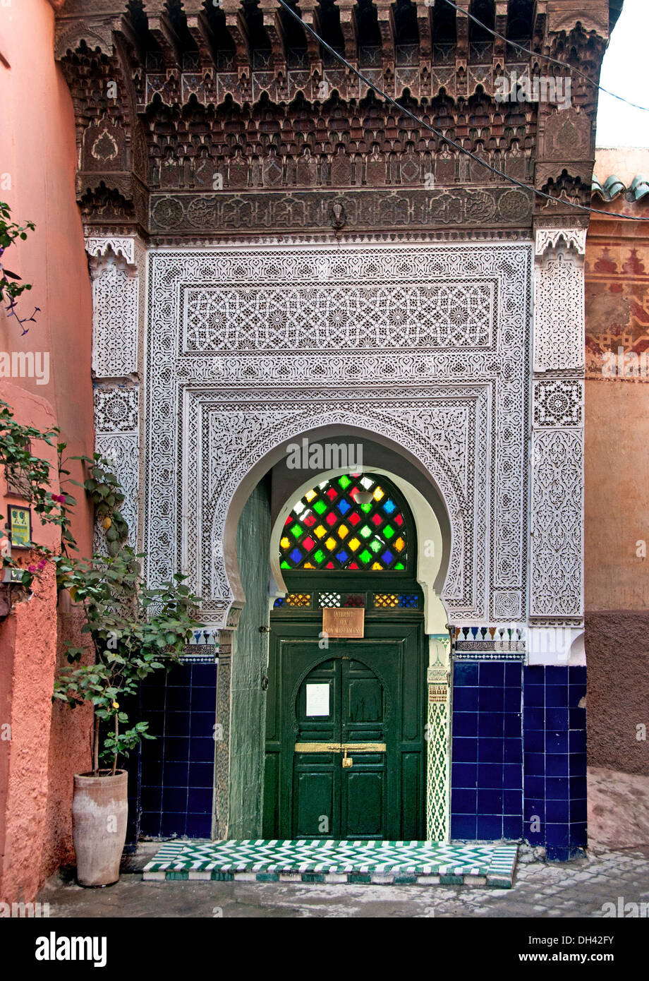 Interdit aux non Musulmans ( Prohibits non-Muslims ) Small Mosque in center of  the Medina of Marrakesh  Morocco - Stock Image
