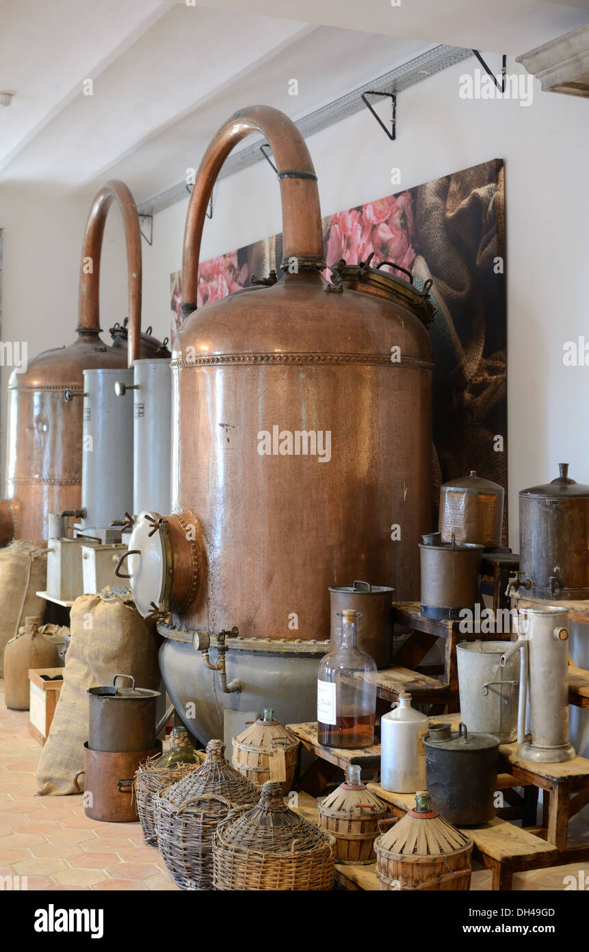 Antique Copper Alembic for Distilling Perfume & Perfume Exhibition Fragonard Perfumery Grasse France - Stock Image