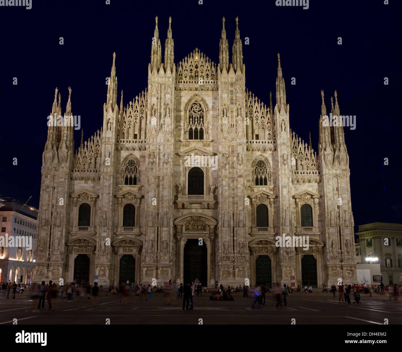Night shot of Duomo di Milano (Milan Cathedral) taken from Piazza del Duomo, Milan, Italy. - Stock Image