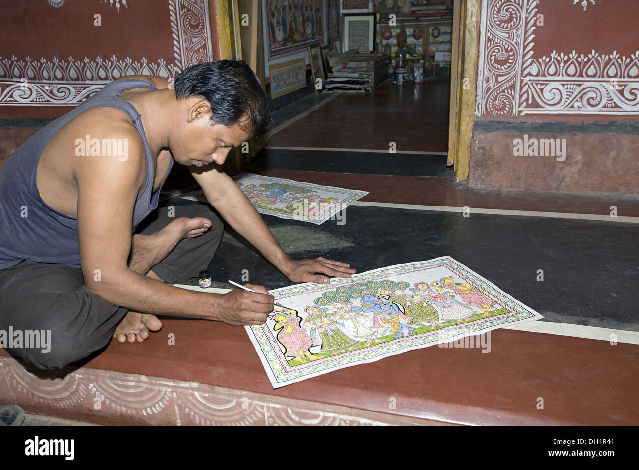 Pattachitra or traditional scroll or cloth painting by young 20-25 artist , RRaghurajpur, Orissa, India - Stock Image
