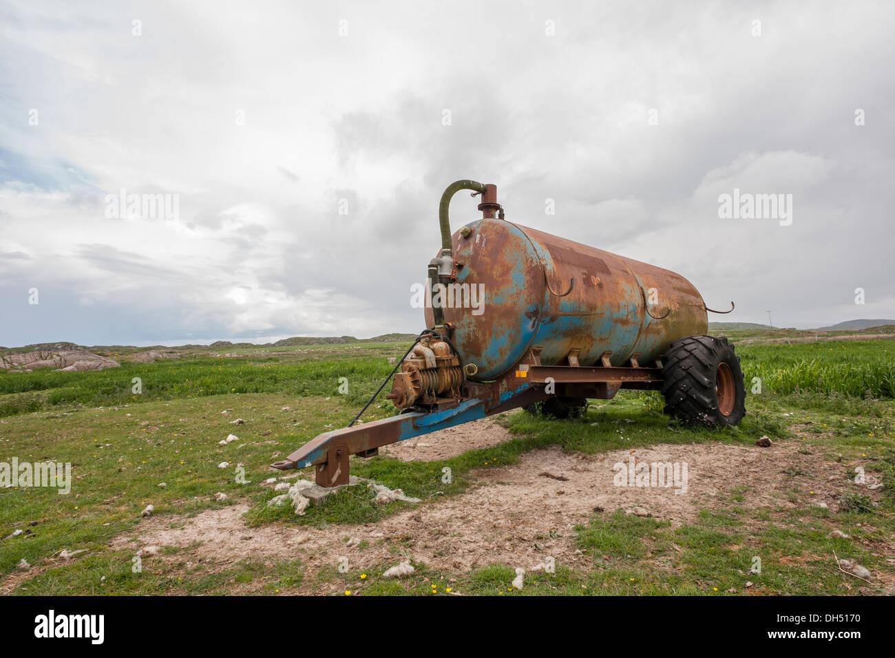 Old Muck spreader-Scottish farm - Stock Image
