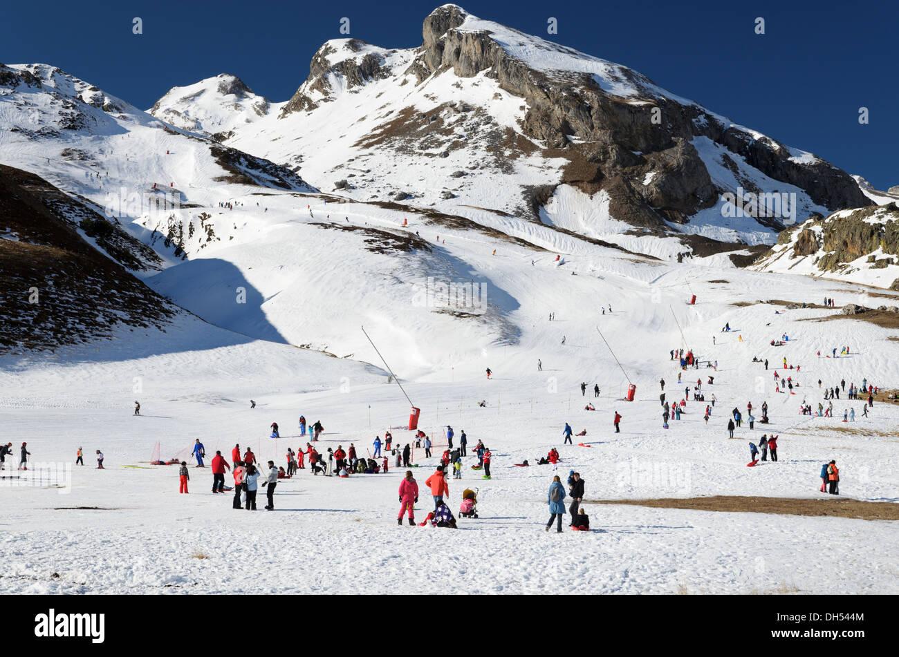 Formigal ski resort in the winter Pyrenees - Stock Image