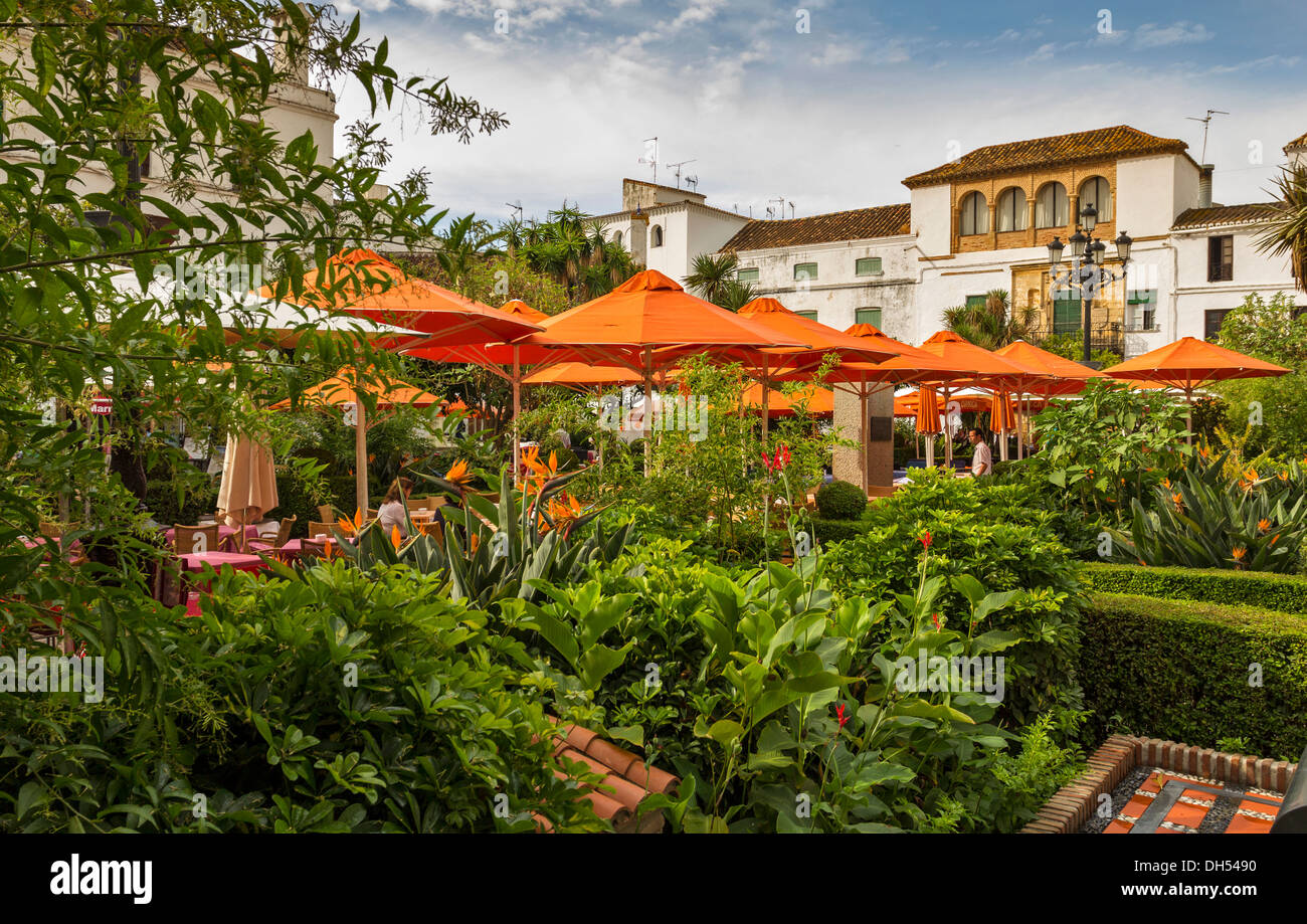 ORANGE SUNSHADES IN THE ORANGE SQUARE CENTRE OF MARBELLA OLD TOWN ANDALUCIA SPAIN - Stock Image
