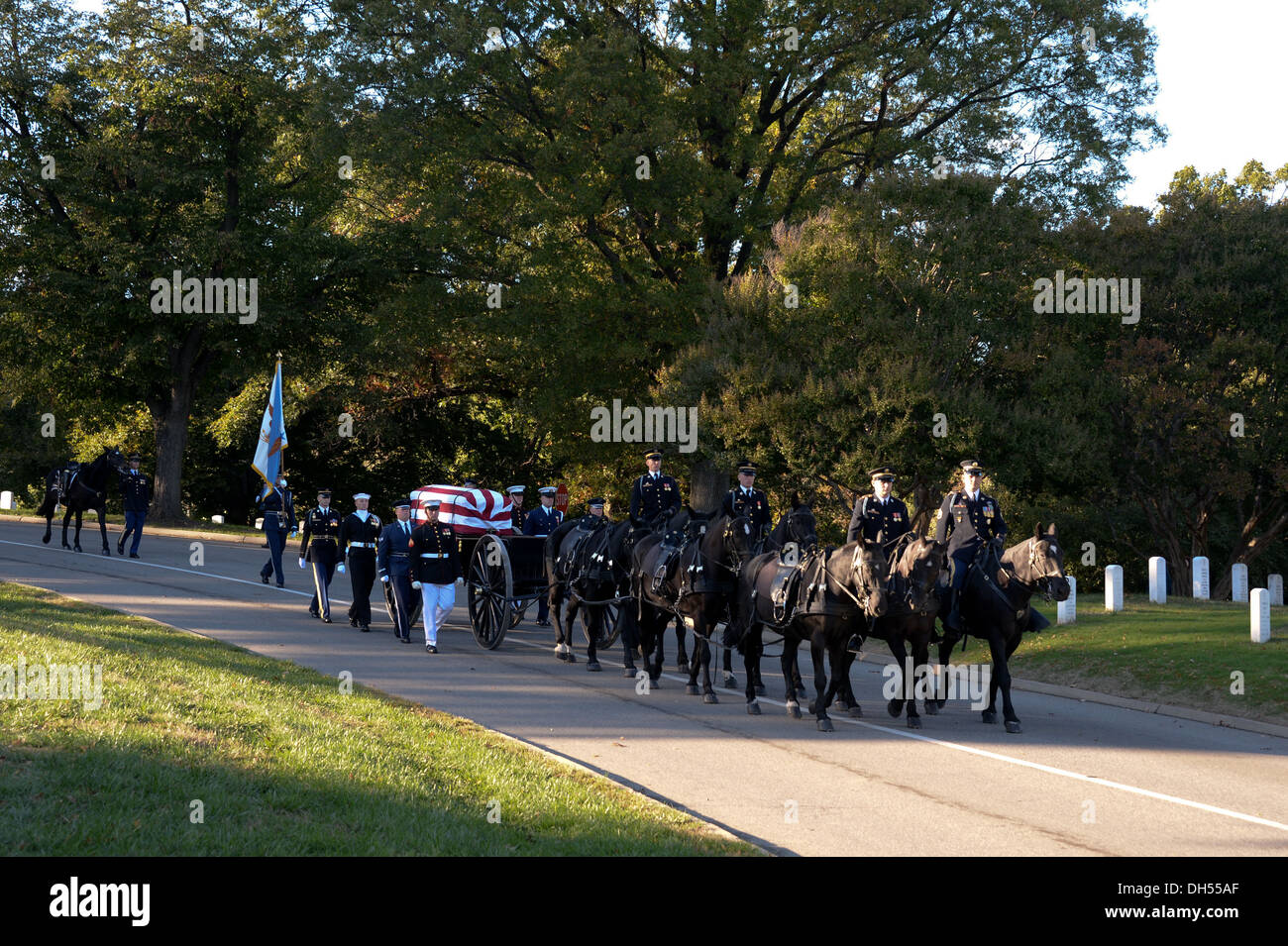 U.S. Service members of the Honor Guard participate in the funeral procession of Gen. David C. Jones, former Chairman of the Joint Chiefs of Staff, at Arlington Cemetery in Arlington, Va., Oct. 25, 2013. - Stock Image