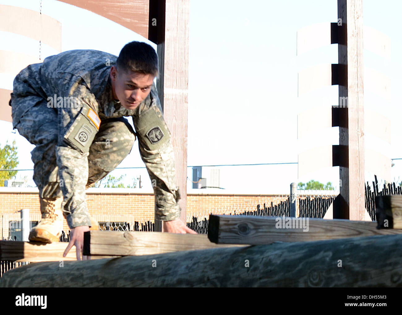 Sgt. Zachery M. Pryor of Litchfield, Ill. meets the challenge trying out for a position on the Fort Bragg Special Reaction Team - Stock Image
