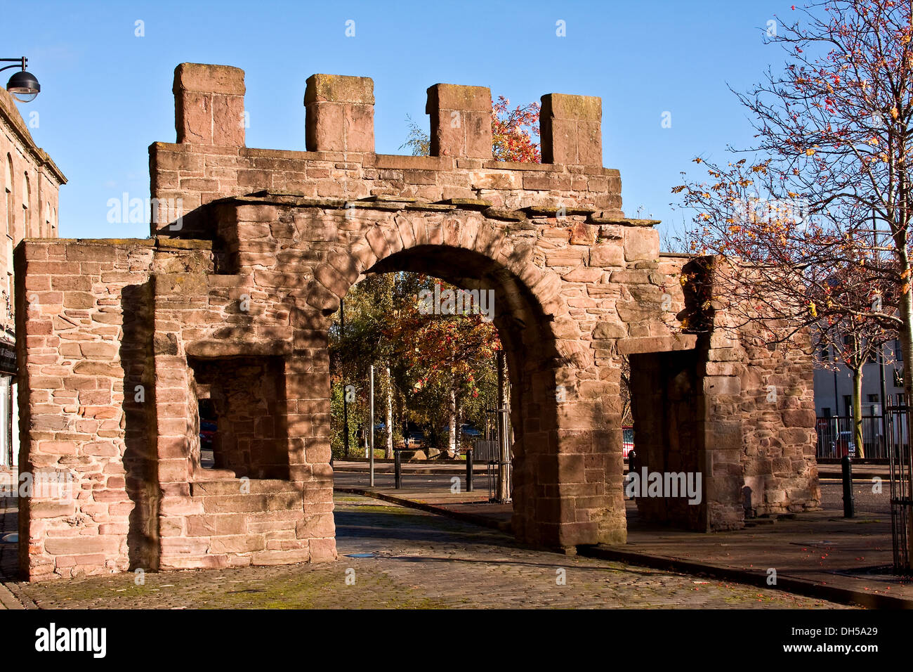 The George Wishart Arch is the last surviving remnant of the old city walls in Dundee situated along the Cowgate, Stock Photo