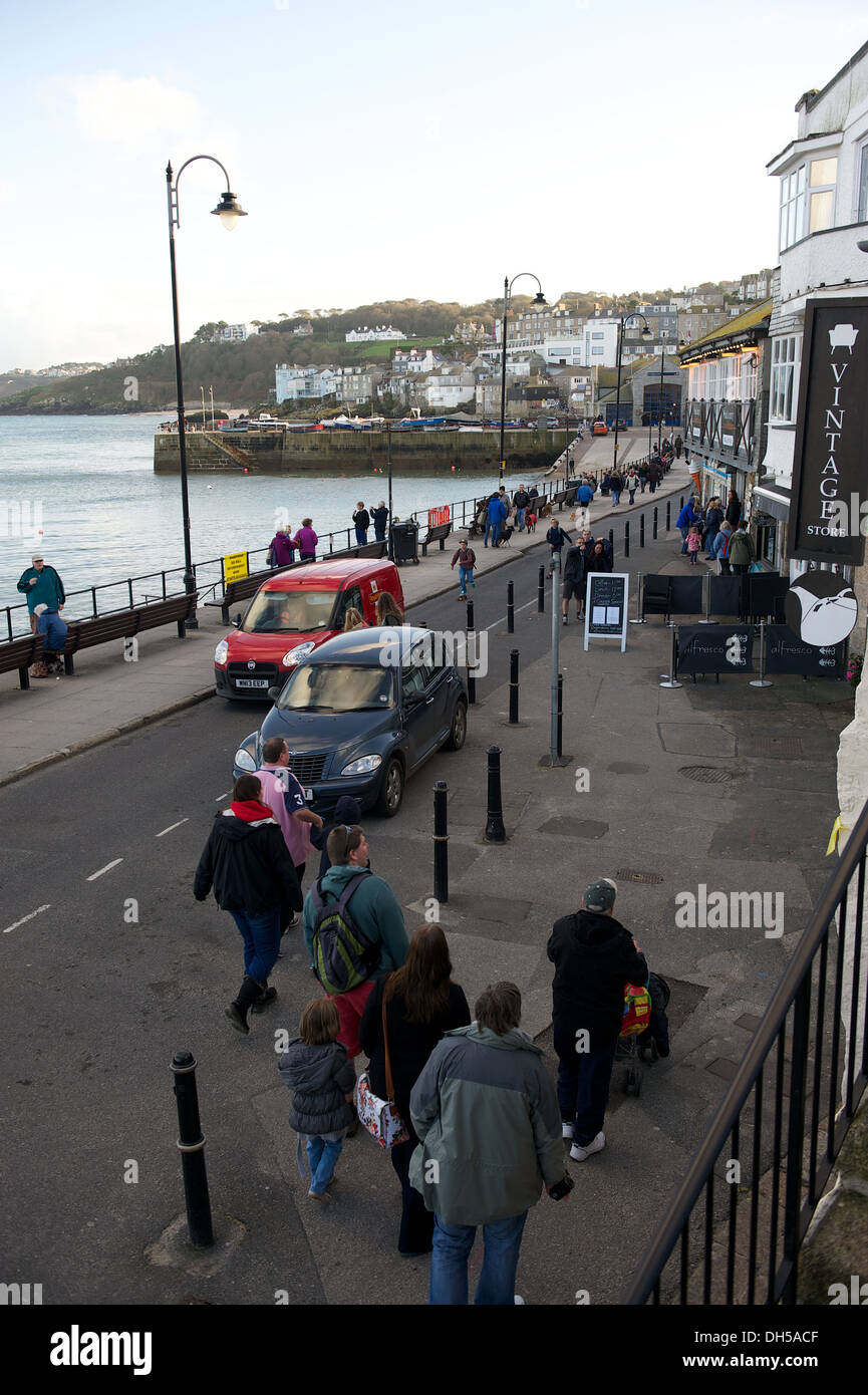 busy street by St. Ives harbour in cornwall - Stock Image