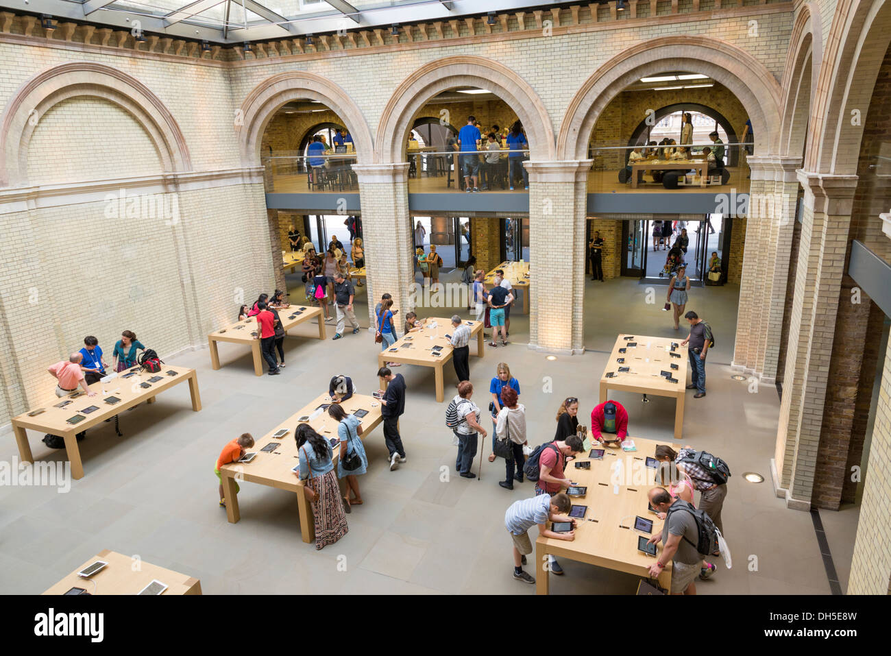 Apple Store in Covent Garden, London, England, UK Stock Photo