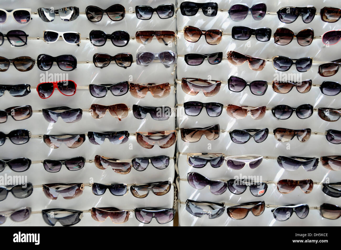 Sunglasses, plagiarism, rip-offs, Fez, Morocco, Africa - Stock Image