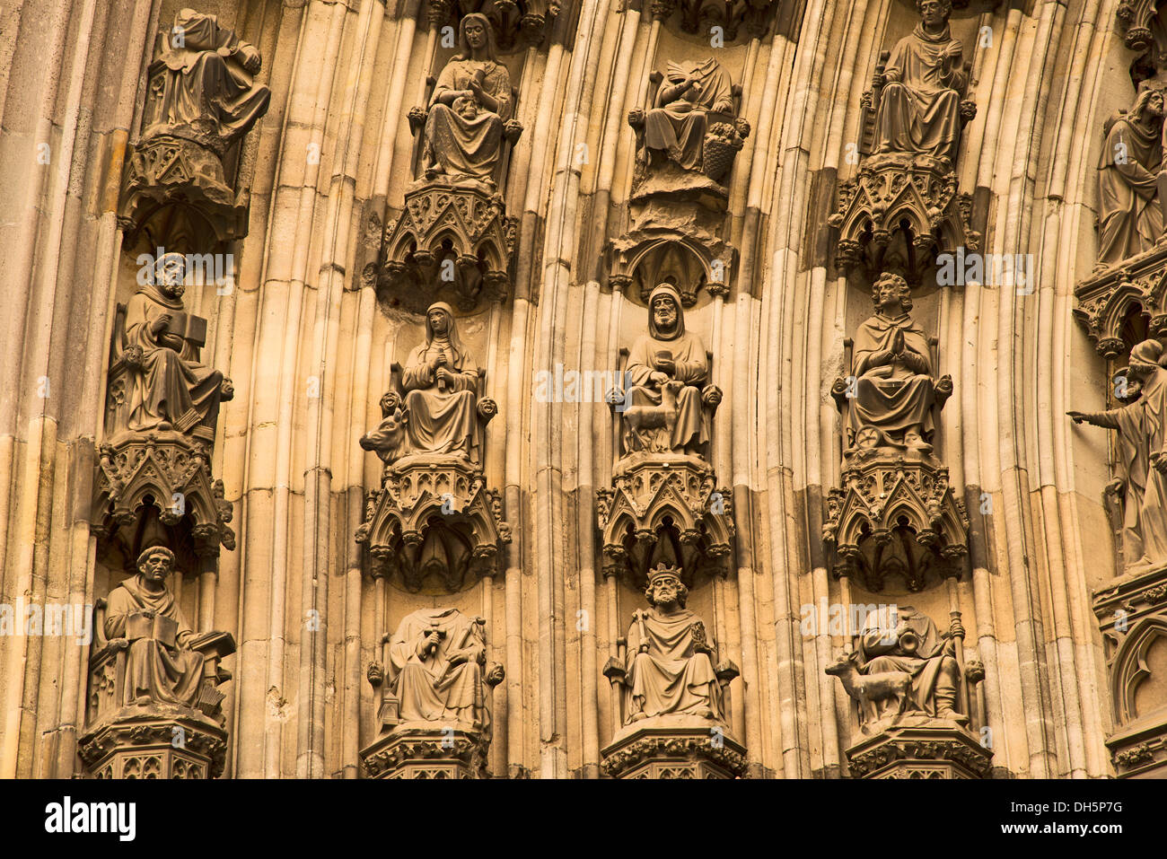 Michaelsportal church porch, facade of the northern transept, Cologne Cathedral, Cologne, North Rhine-Westphalia, Stock Photo