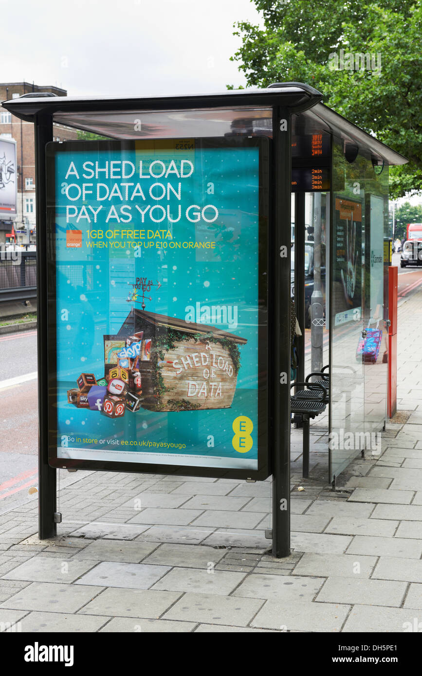bus shelter Euston road - Stock Image