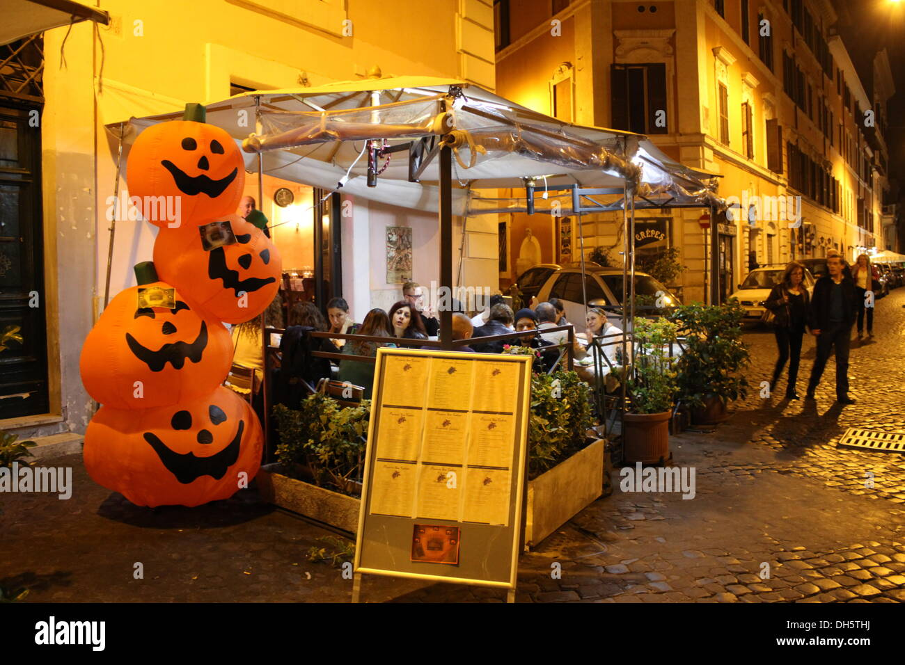 rome italy 31st oct 2013halloween night on the streets of trastevere