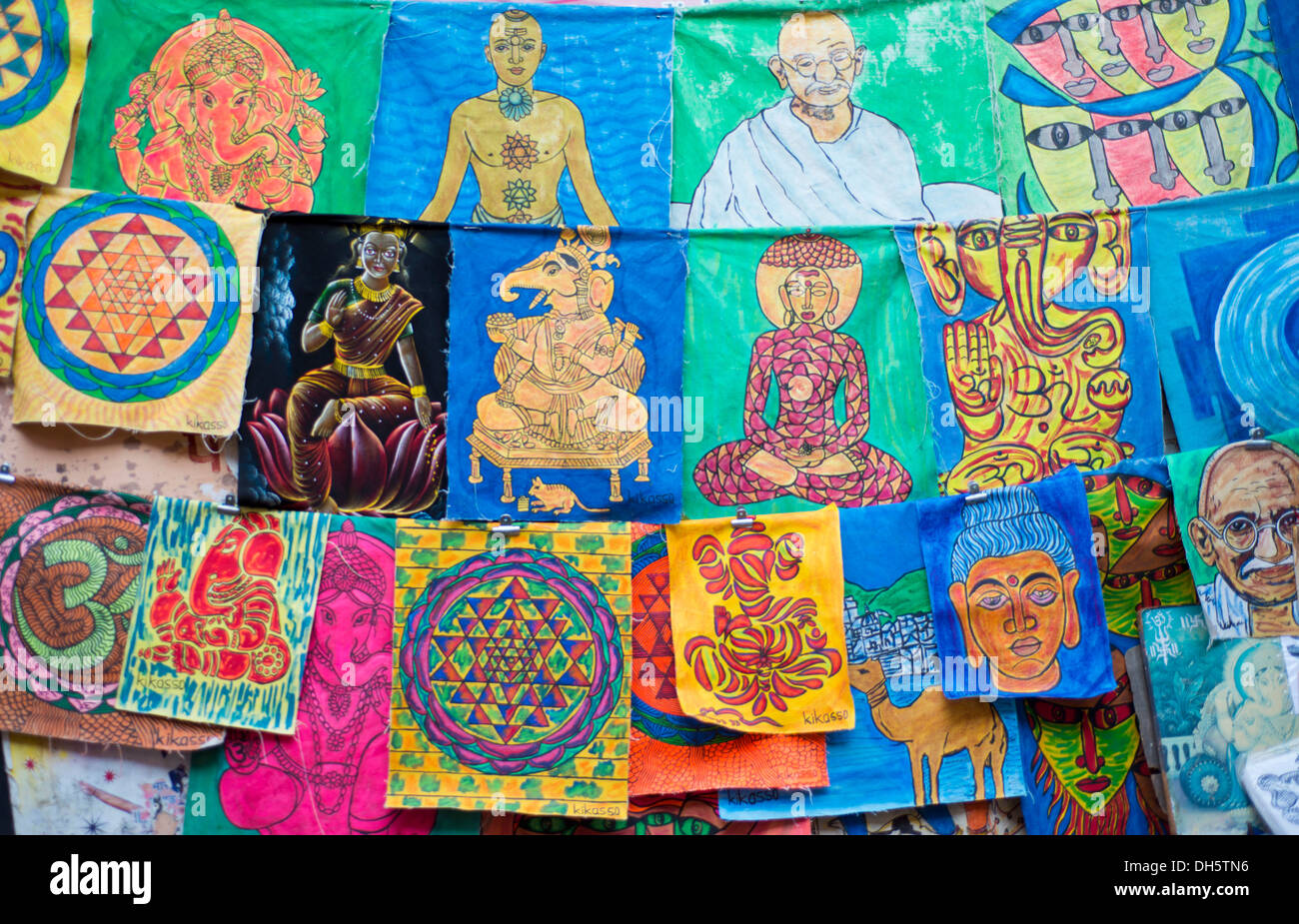 Depictions of gods and men, mandalas and ornaments, for sale, Pushkar, Rajasthan, India - Stock Image