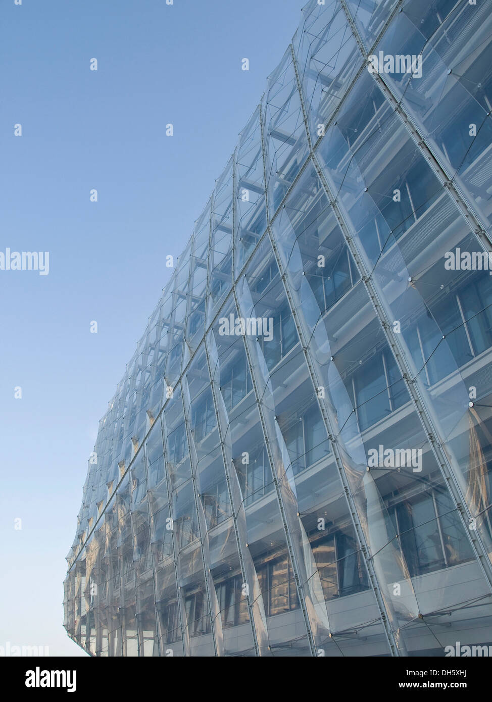 Facade of the Unilever headquarters in the HafenCity district, Hamburg - Stock Image