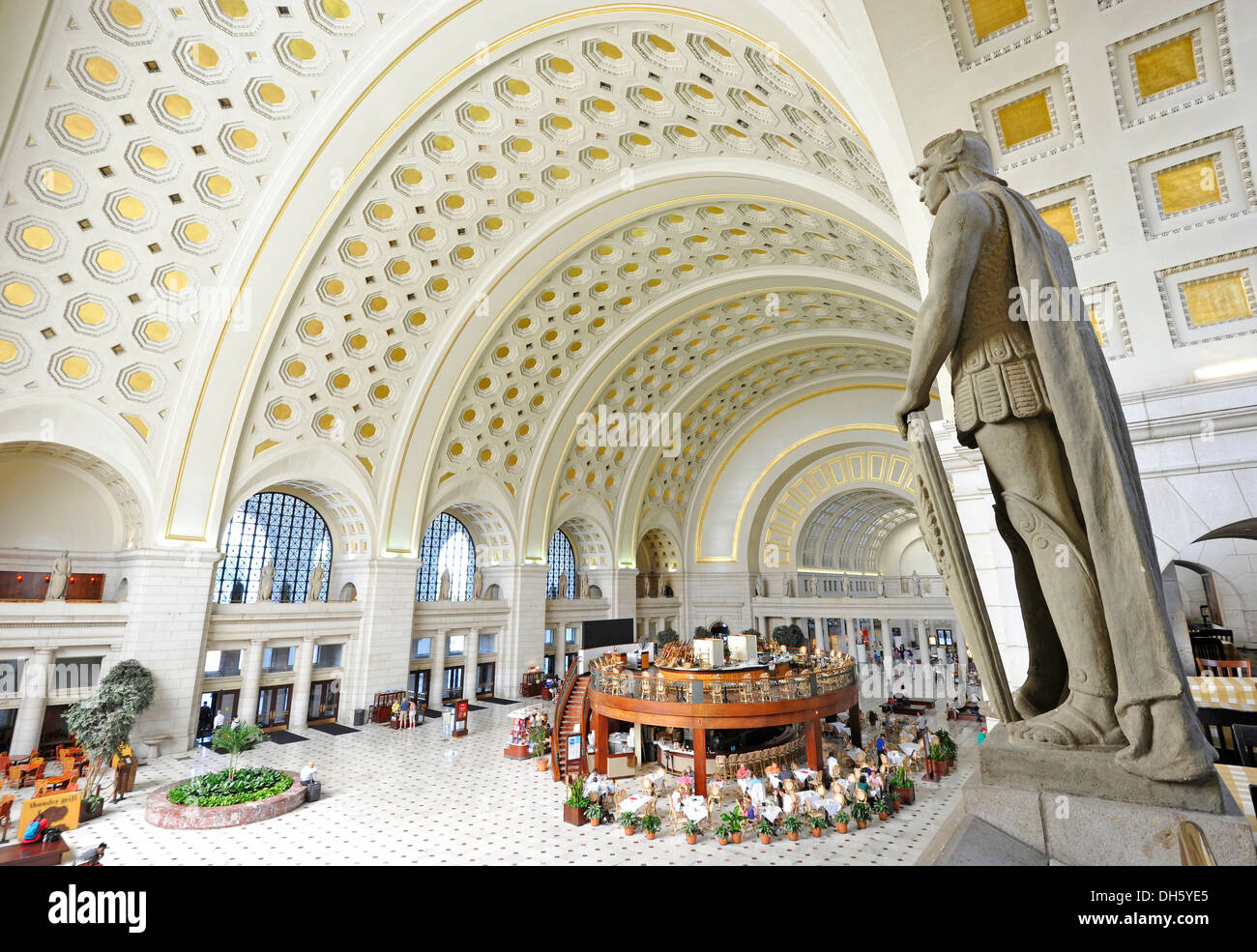 Interior view, Great Main Hall, larger than life statue, waiting room, Union Station, Washington DC, District of Columbia - Stock Image