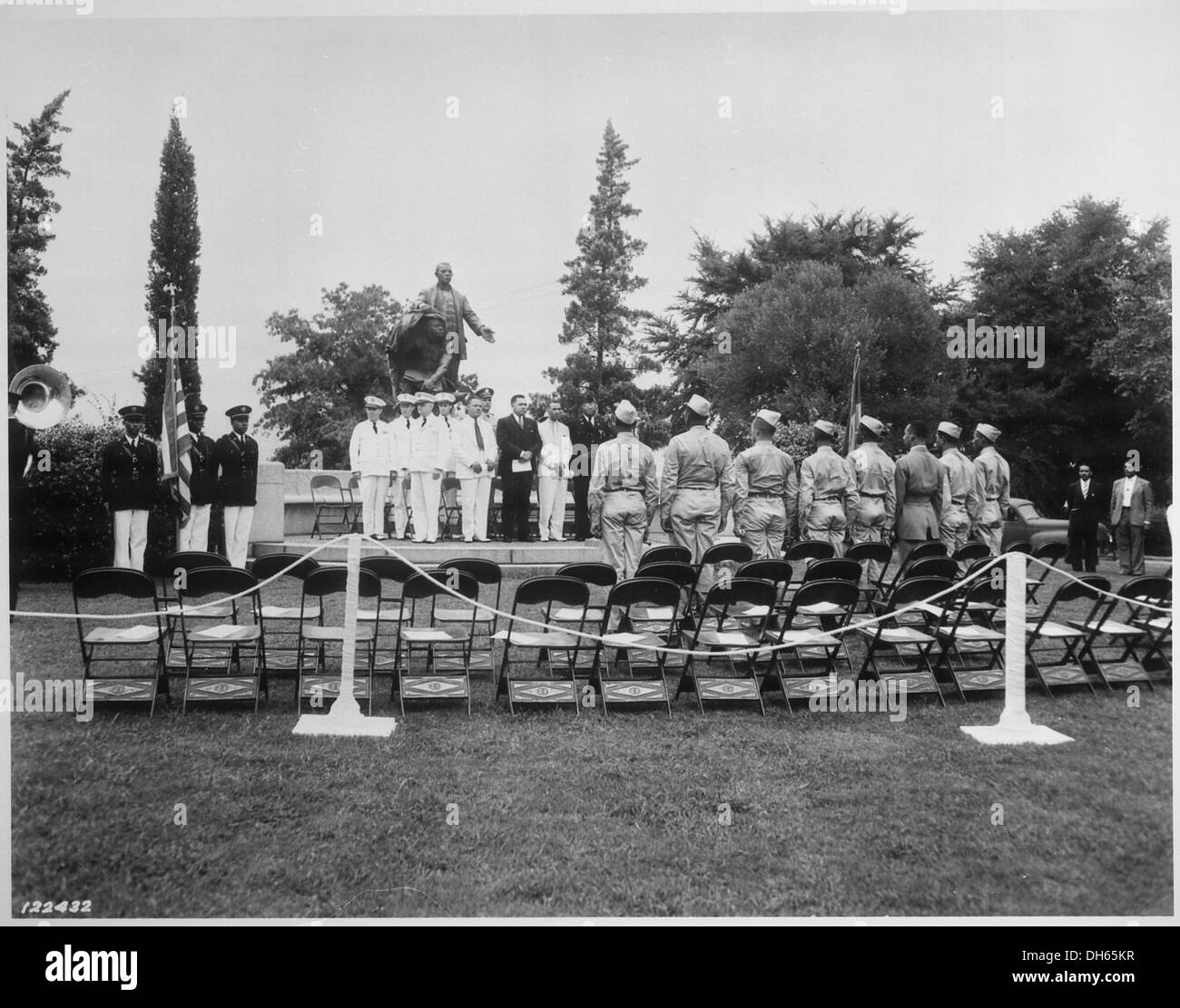 Address of welcome to (Army Air Corps) cadets in front of Booker T. Washington Monument on the grounds of Tuskegee Inst 531132 - Stock Image