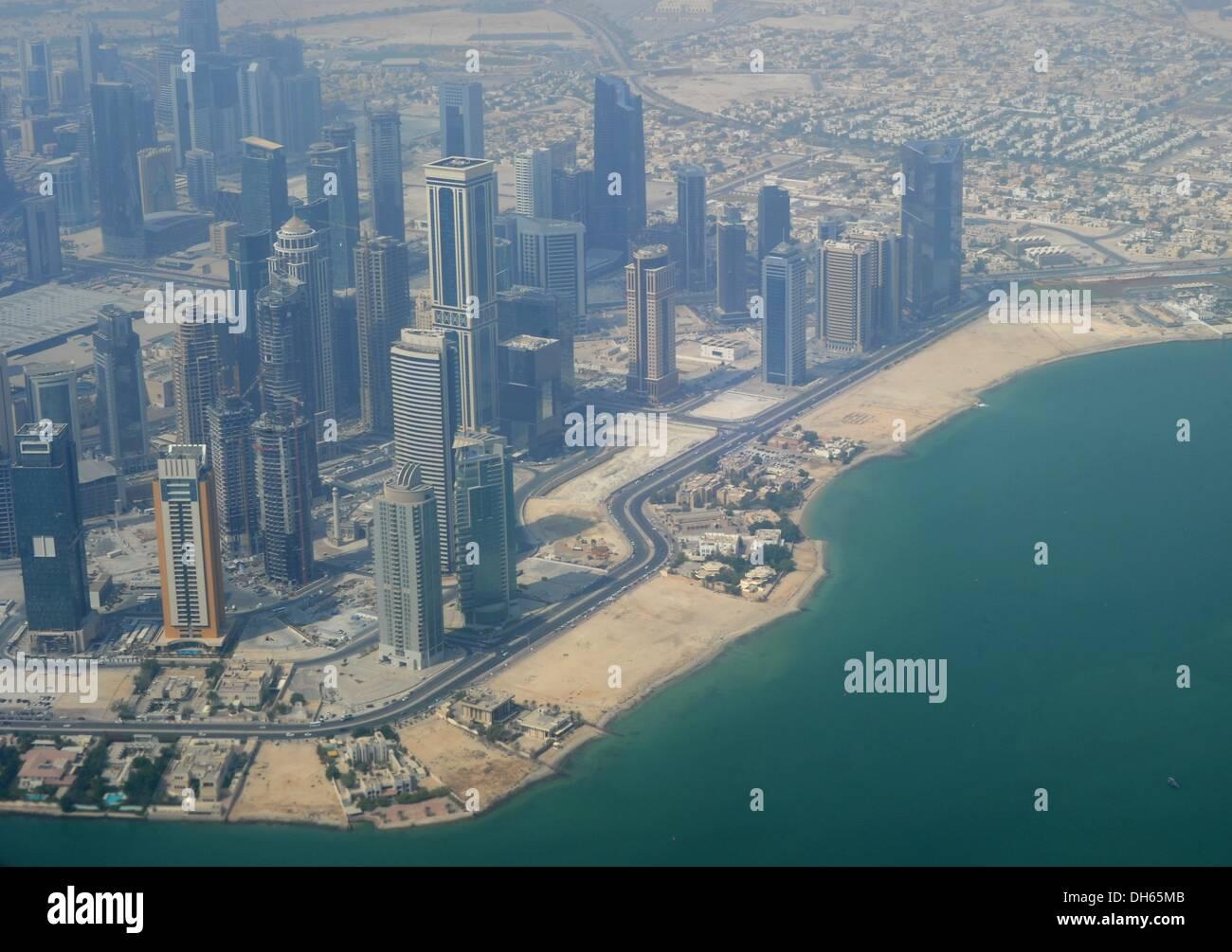 Aerial view of Doha, Qatar, 29 August 2013. Photo: Britta Pedersen/dpa - Stock Image
