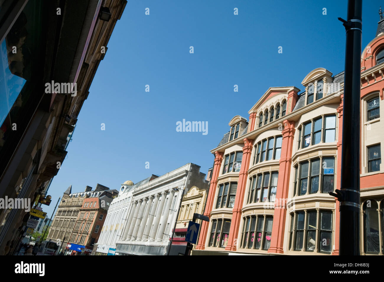 View along Oldham Street in Manchester, England, UK, with Afflecks indoor market on the right - Stock Image