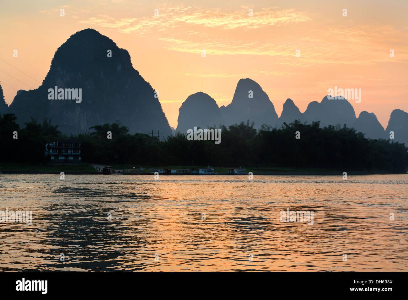 Sunset on the Li River near Xingpin village in China Stock Photo