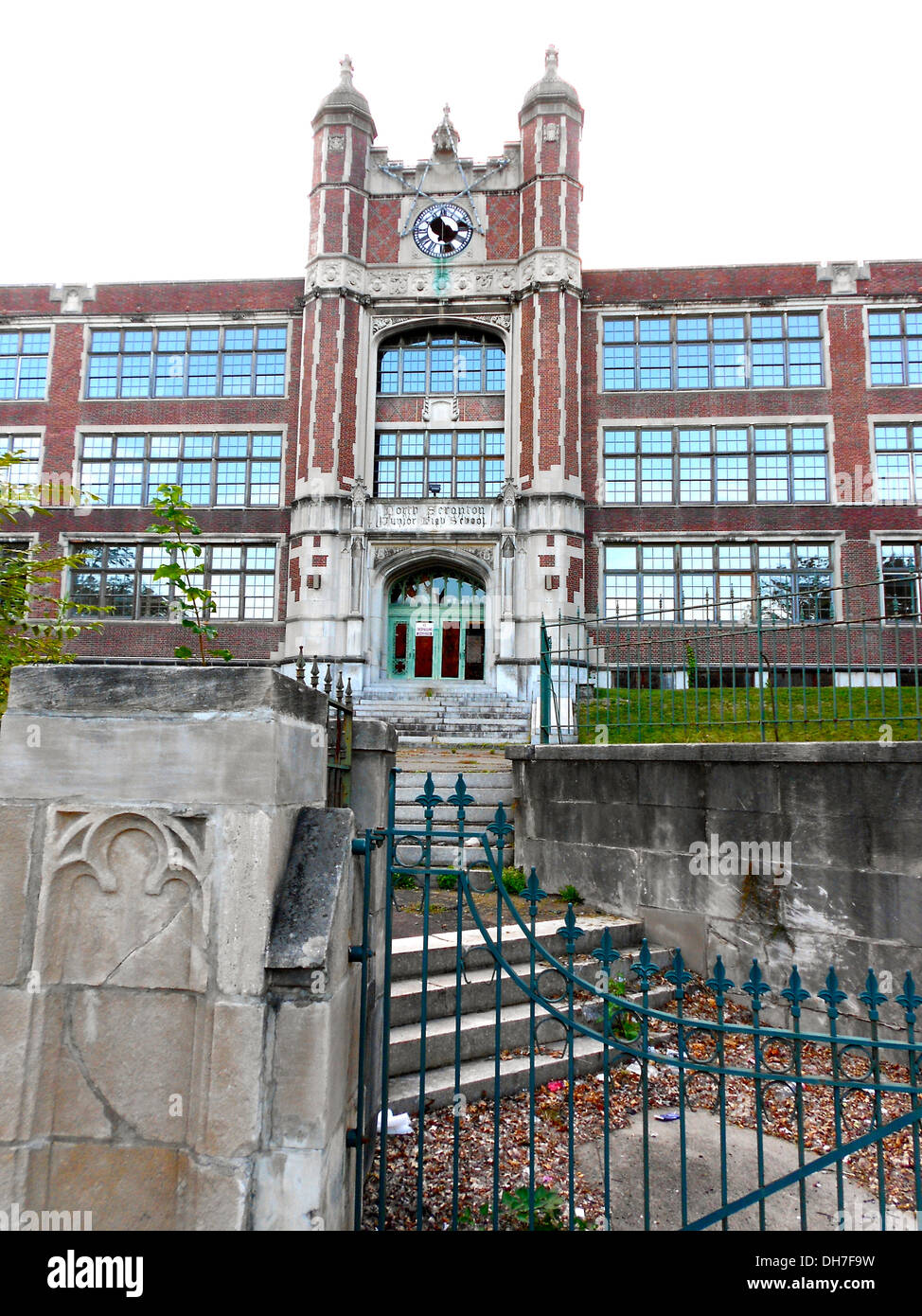 North Scranton Junior High School, list on the NRHP on September 24, 1999, at 1539 North Main Avenue, Scranton, Lackawanna, Penn - Stock Image