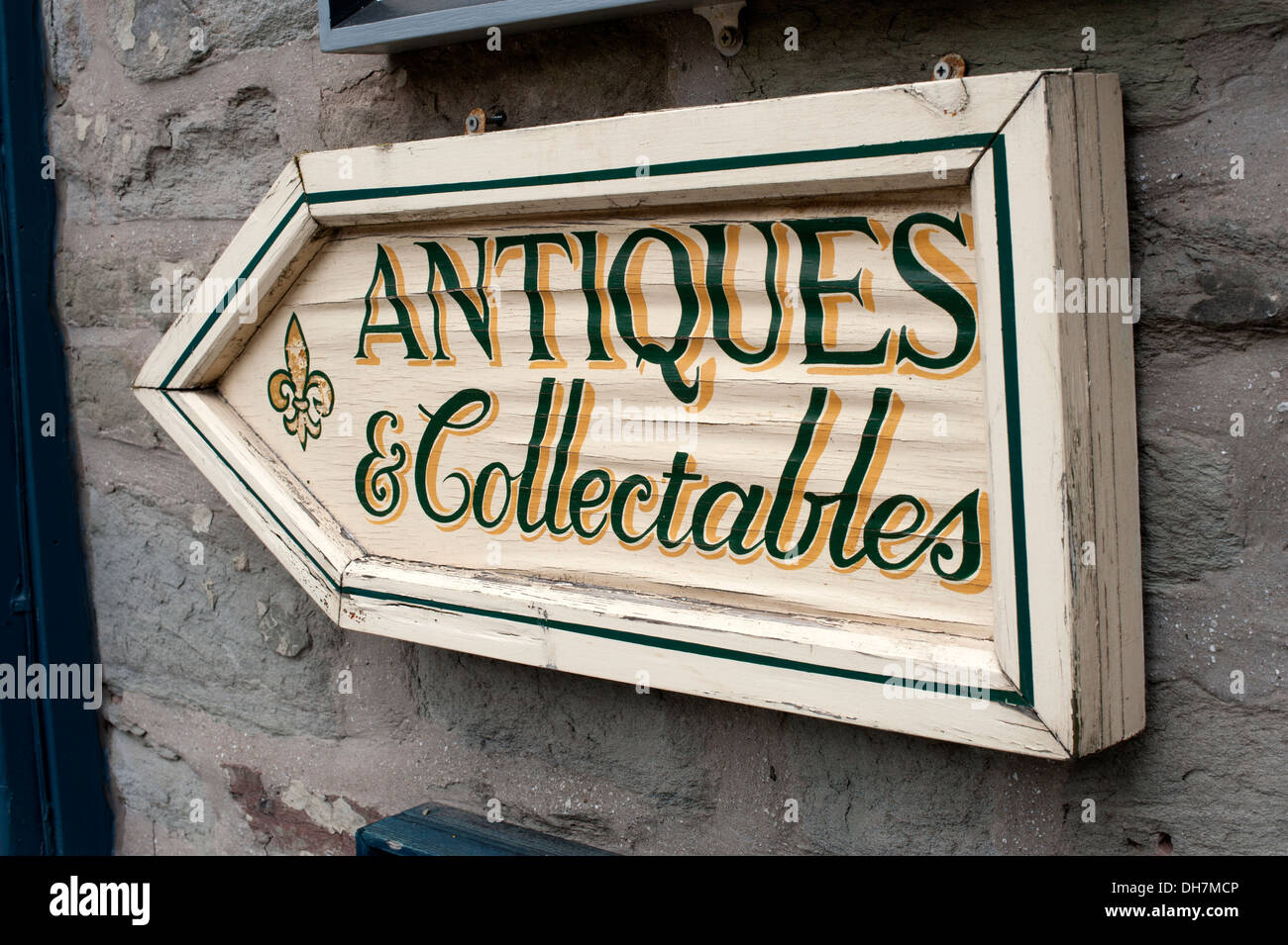 Antiques & And Collectables Sign - Stock Image