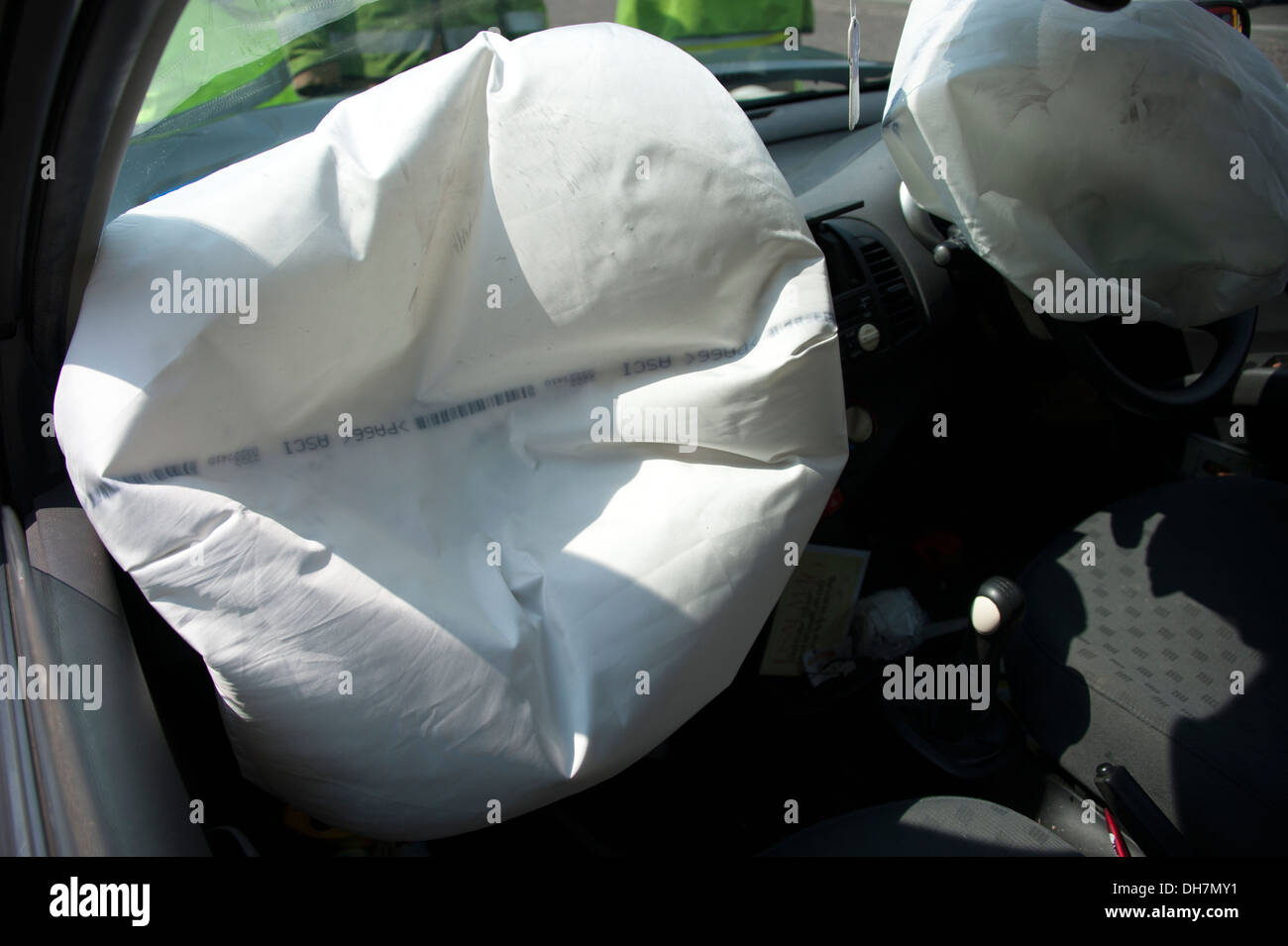 car-airbags-deployed-gone-off-air-bags-b